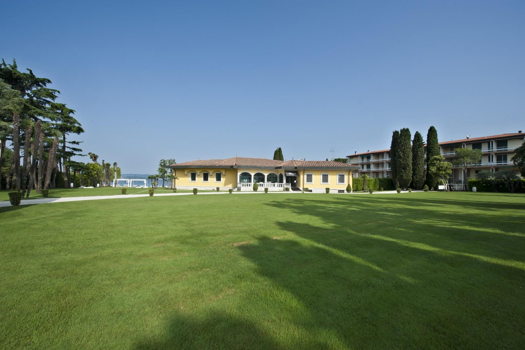 Villa in Vendita a Sirmione: 5 locali, 550 mq - Foto 5