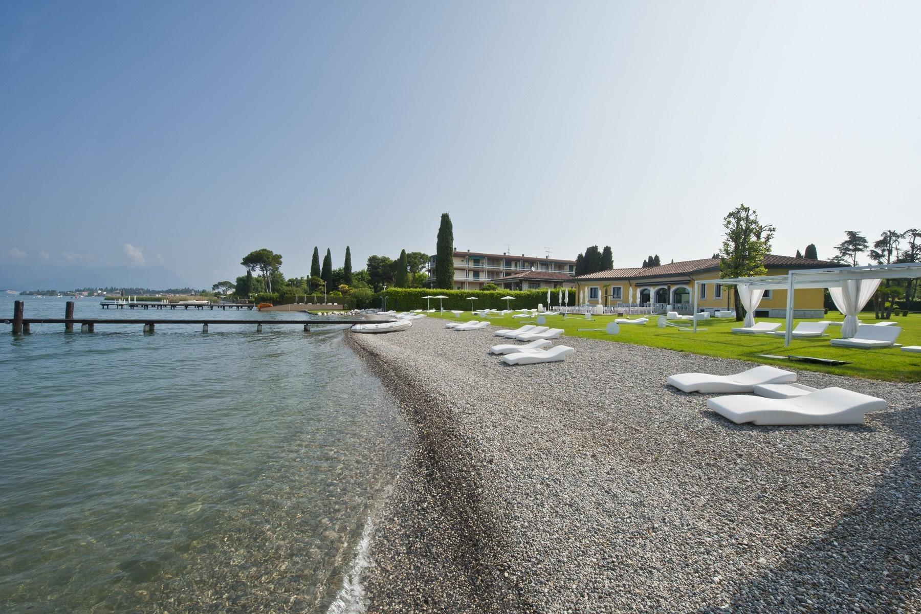 Villa in Vendita a Sirmione: 5 locali, 550 mq - Foto 12