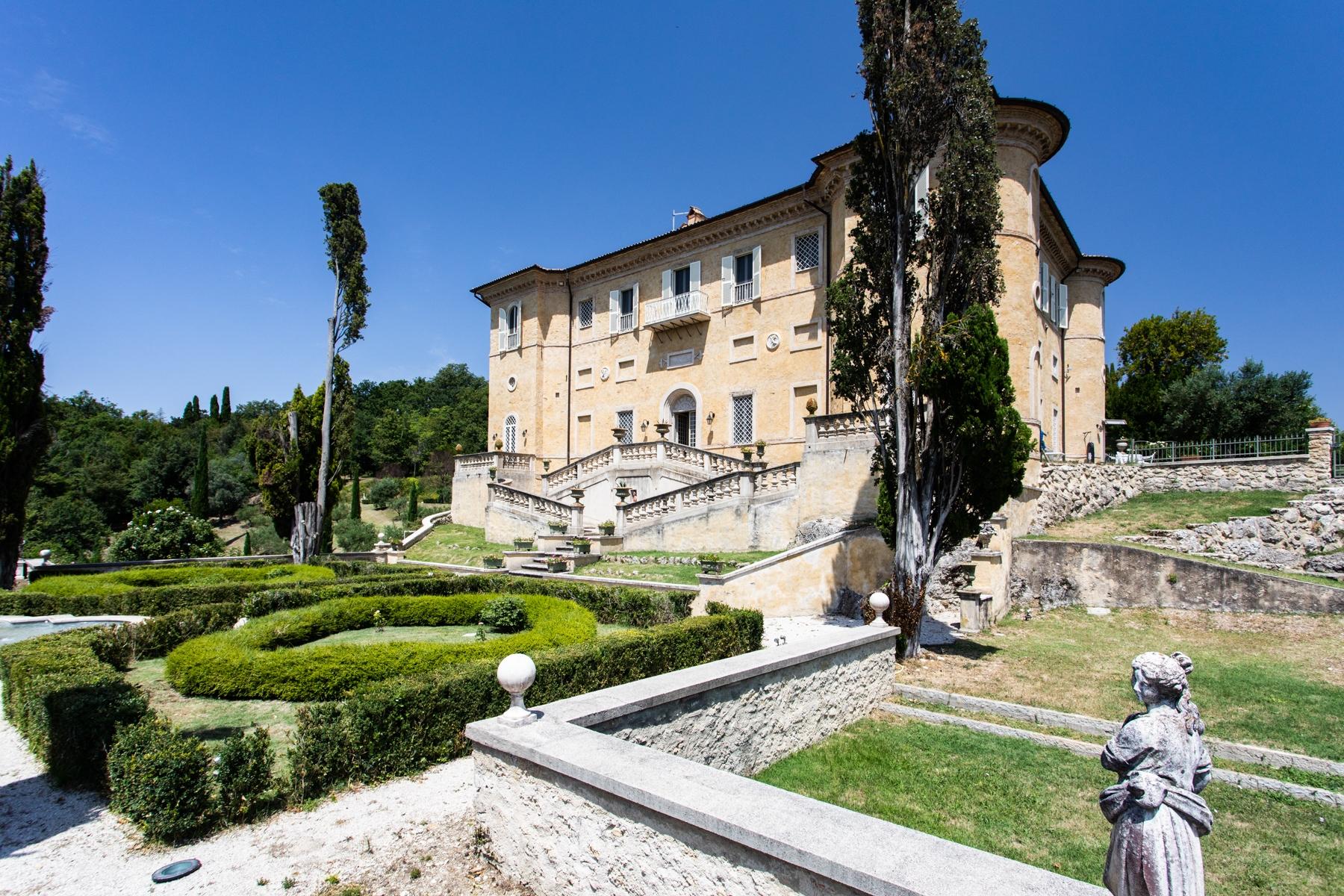 Villa in Vendita a Rieti: 5 locali, 1230 mq - Foto 2