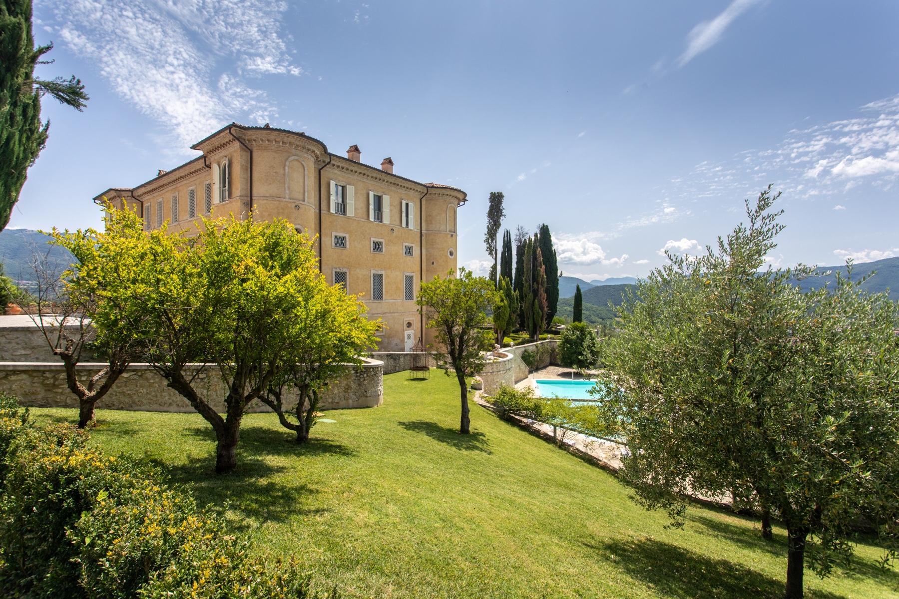 Villa in Vendita a Rieti: 5 locali, 1230 mq - Foto 3