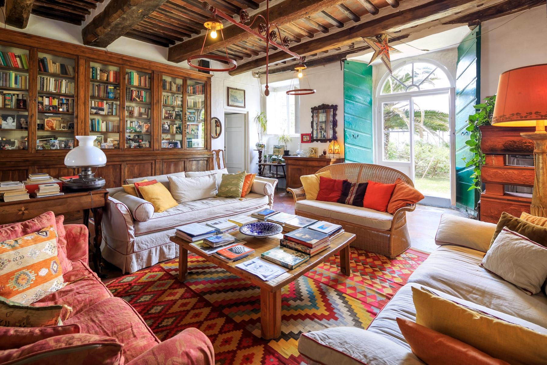 Villa in Vendita a Capannori via fillungo