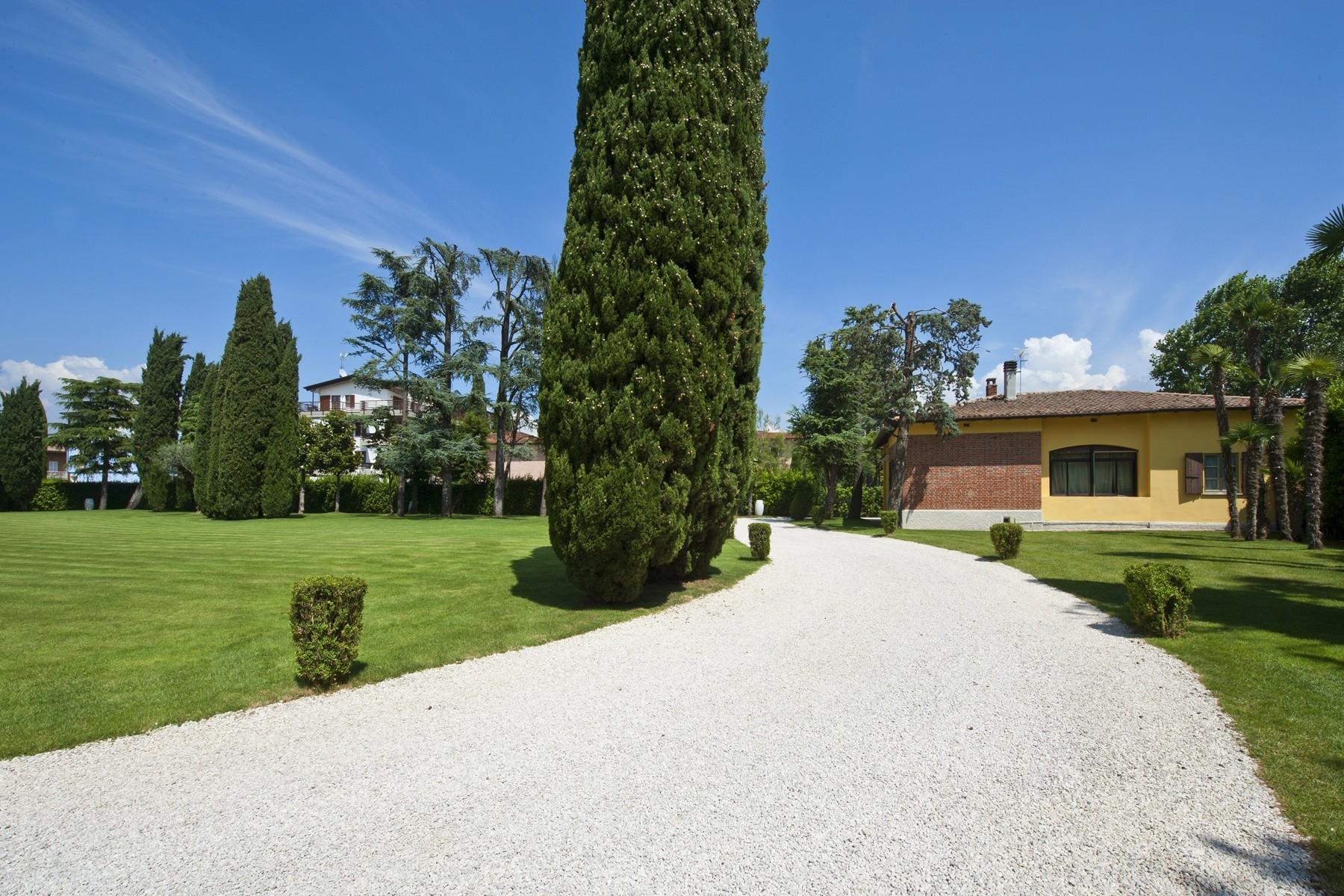 Villa in Vendita a Sirmione: 5 locali, 550 mq - Foto 17