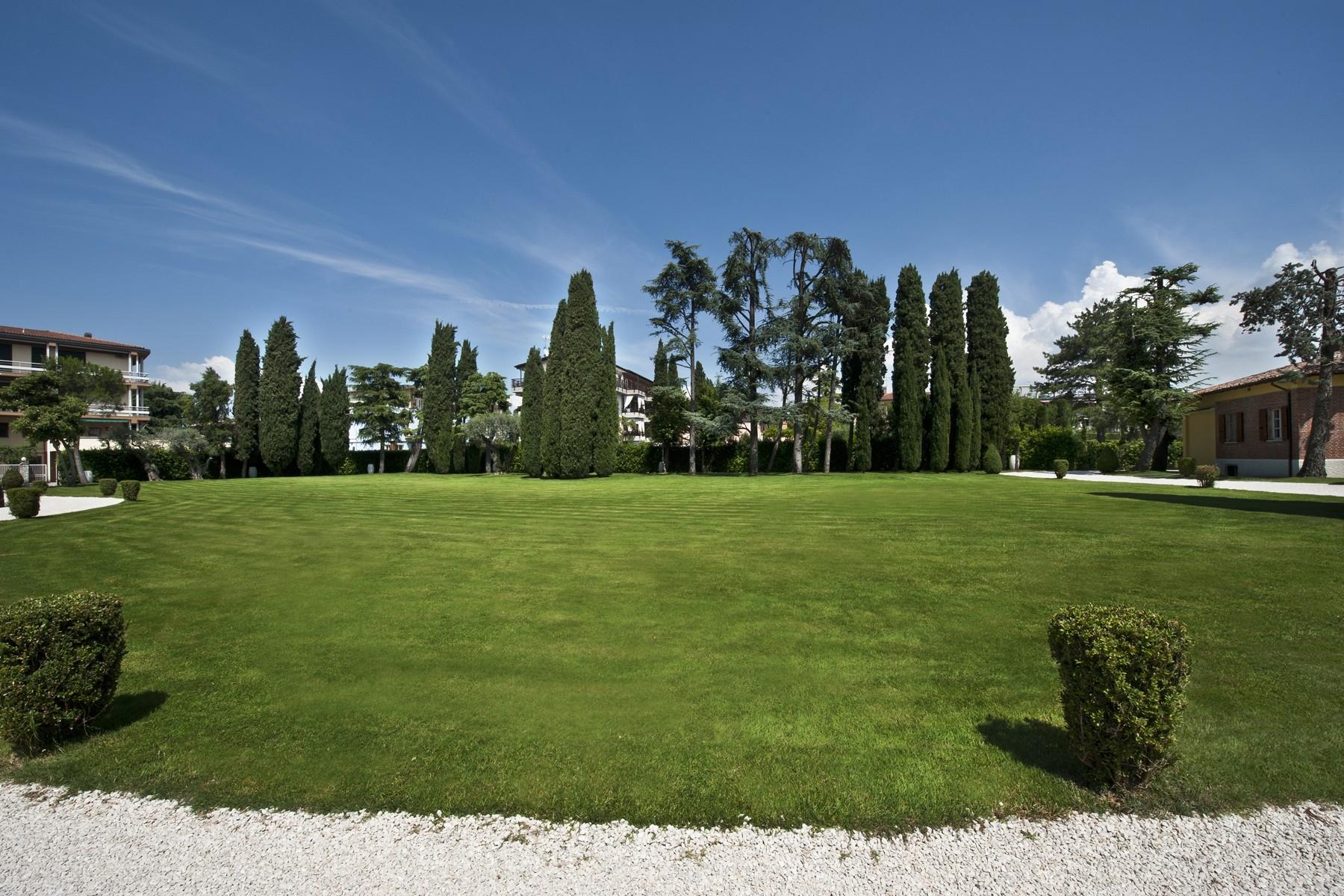 Villa in Vendita a Sirmione: 5 locali, 550 mq - Foto 19