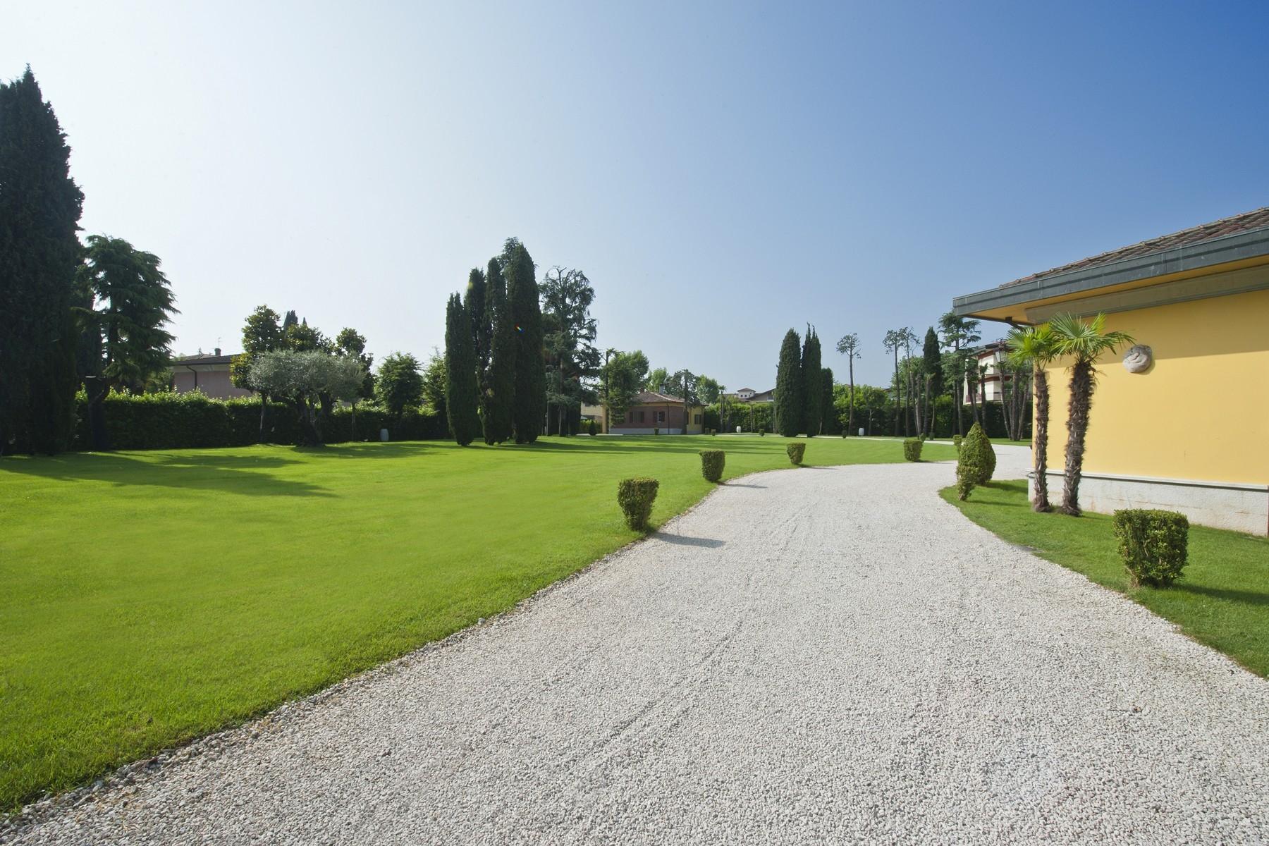 Villa in Vendita a Sirmione: 5 locali, 550 mq - Foto 16