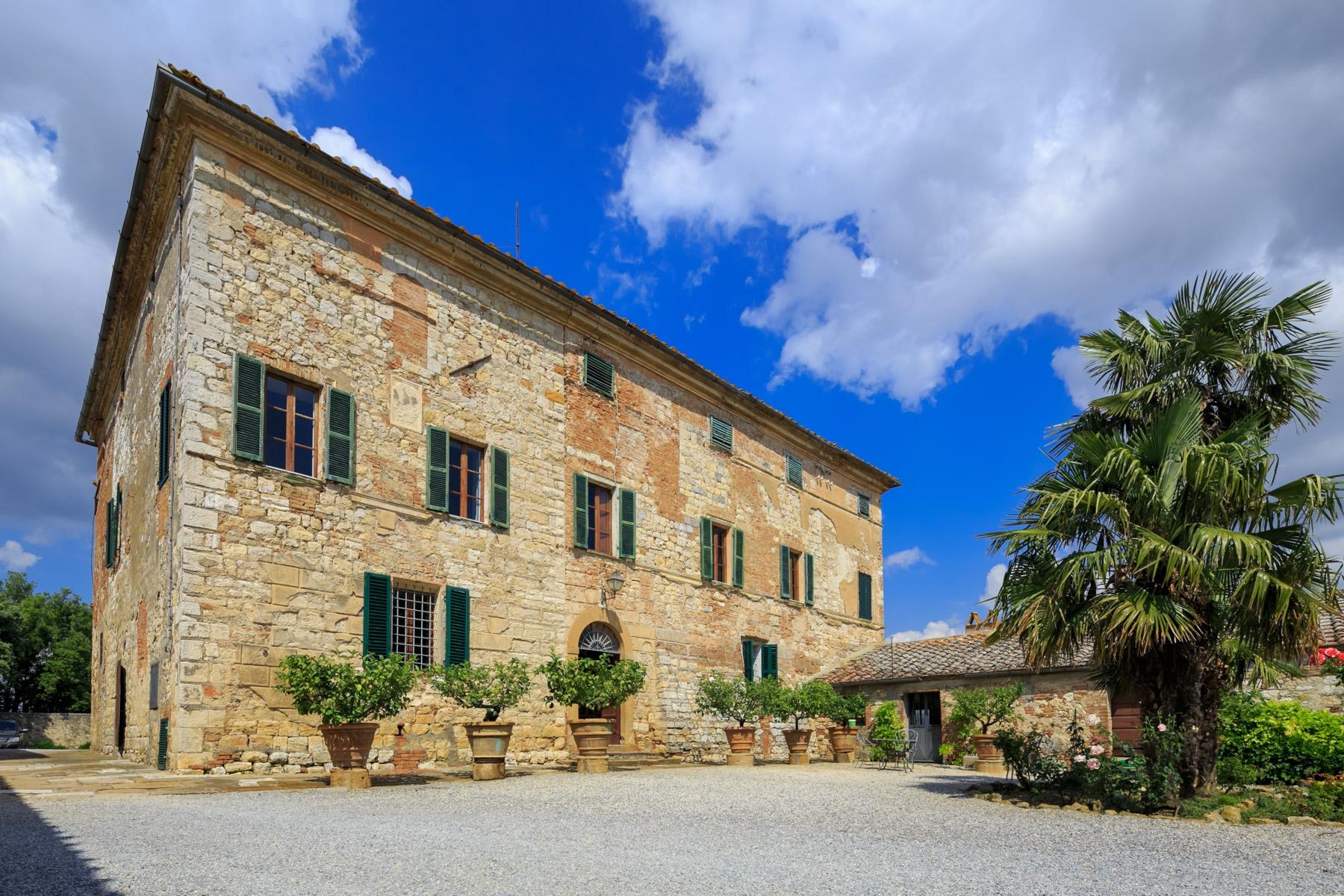 Villa in Vendita a Trequanda: 5 locali, 5200 mq