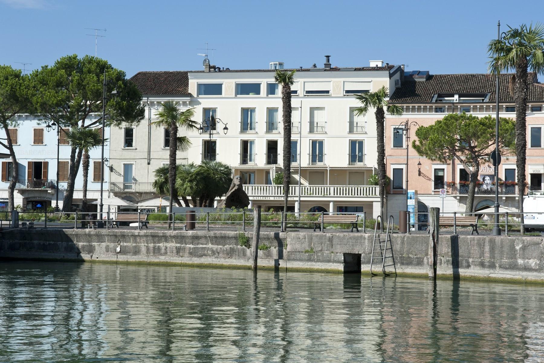 Appartamento in Vendita a Desenzano Del Garda piazza giacomo matteotti
