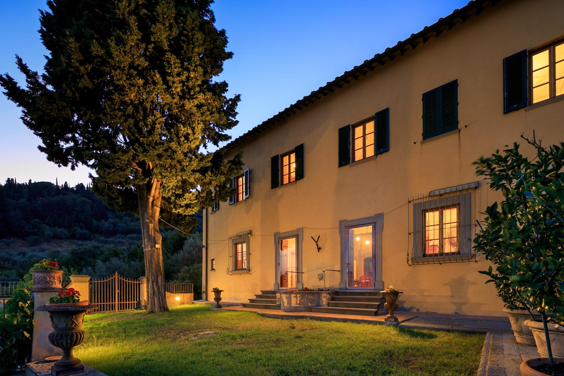 Villa in Vendita a Sesto Fiorentino loggia via della loggia