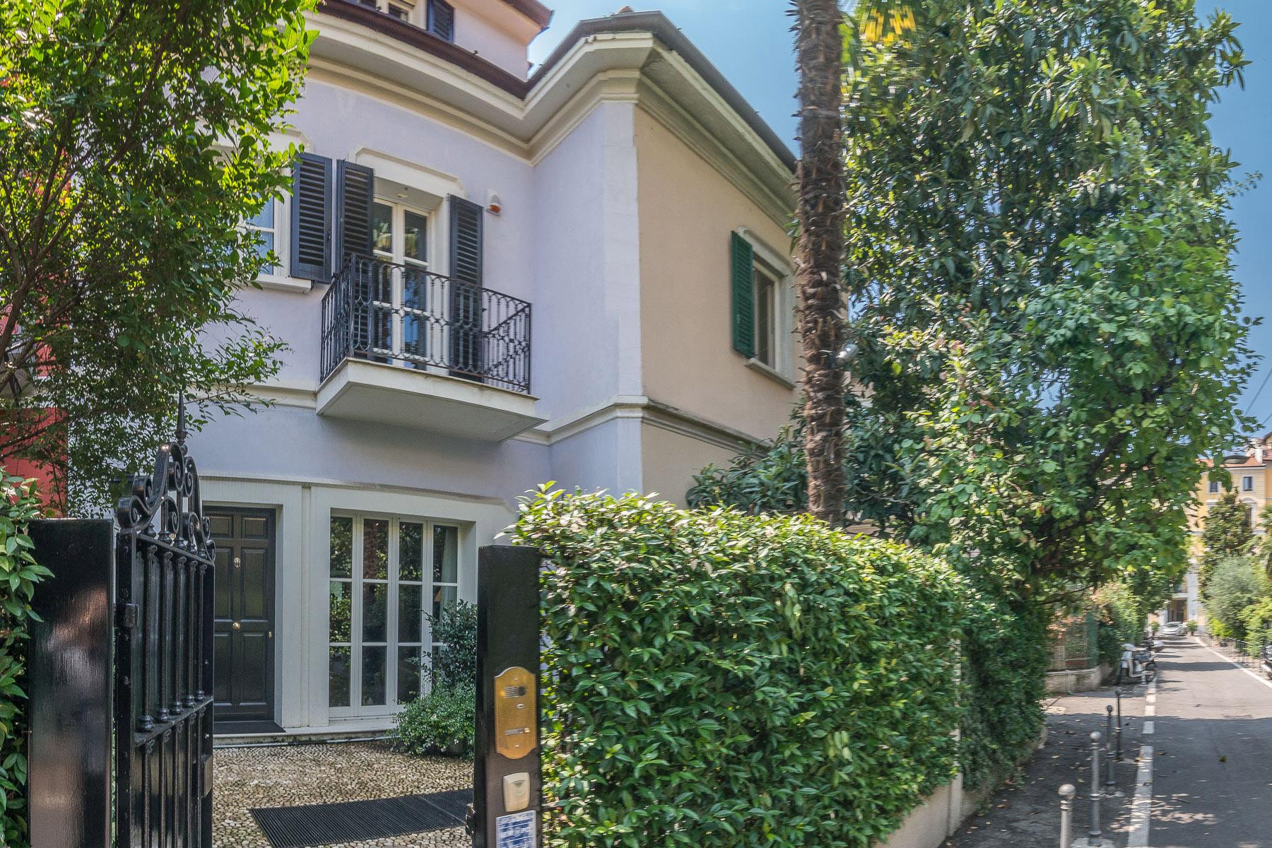 Casa indipendente in Vendita a Milano via abramo lincoln