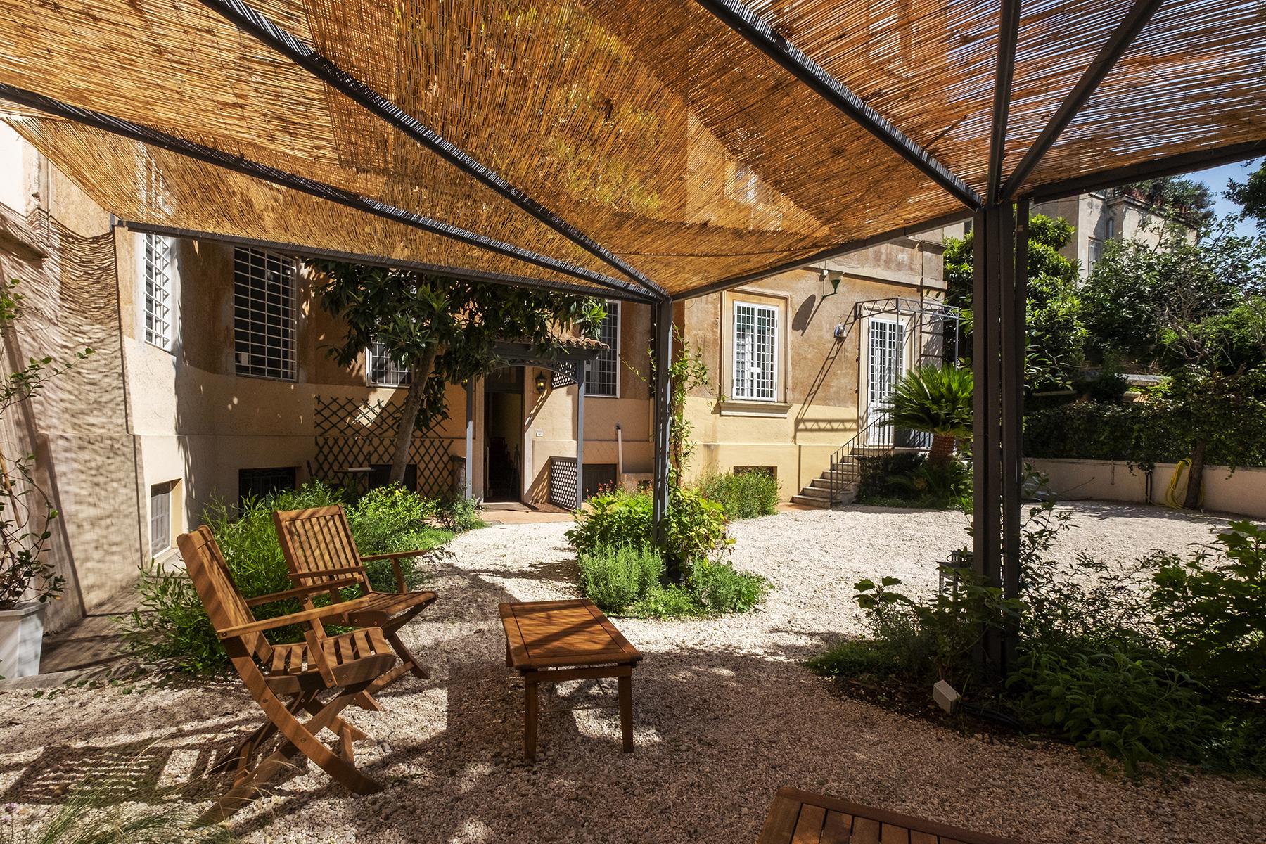 Appartamento in Vendita a Roma via panama