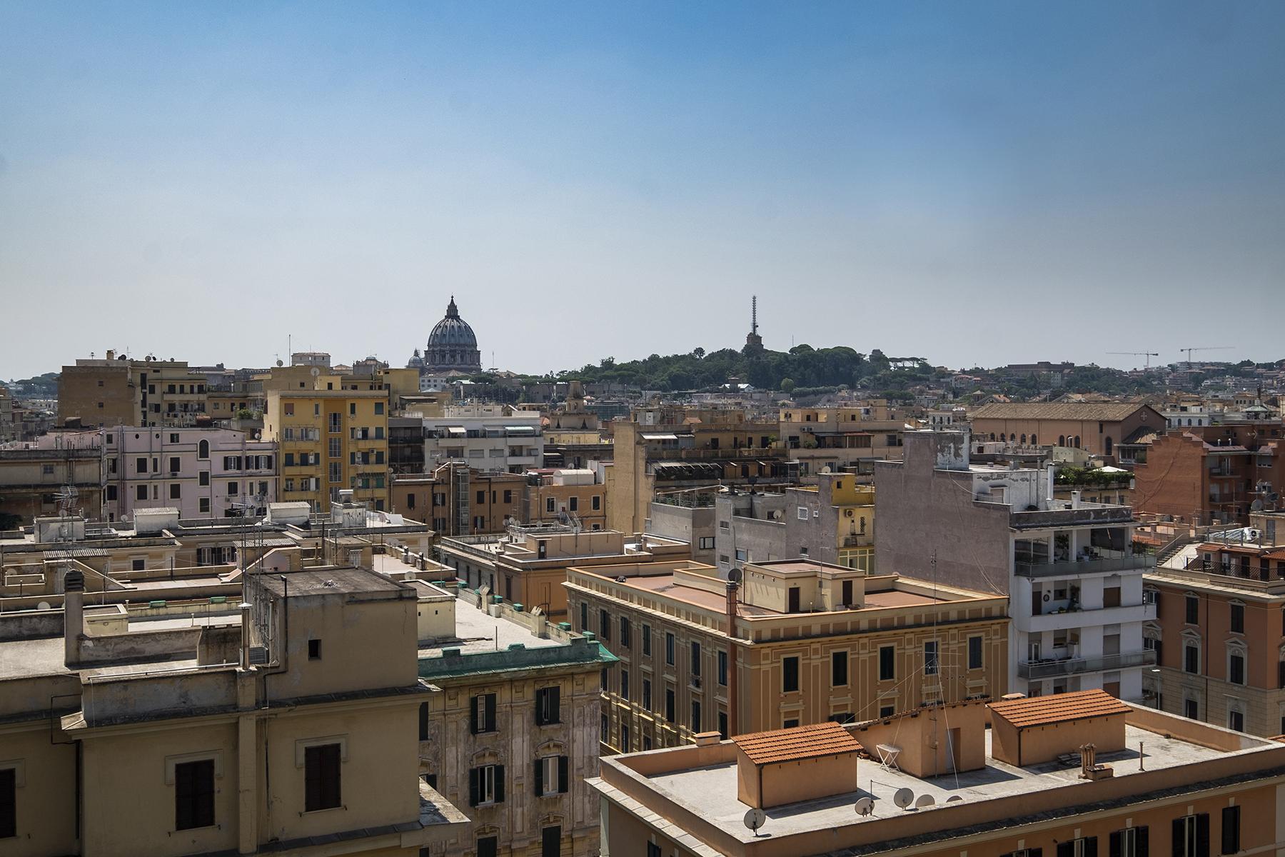 Appartamento in Vendita a Roma via della giuliana