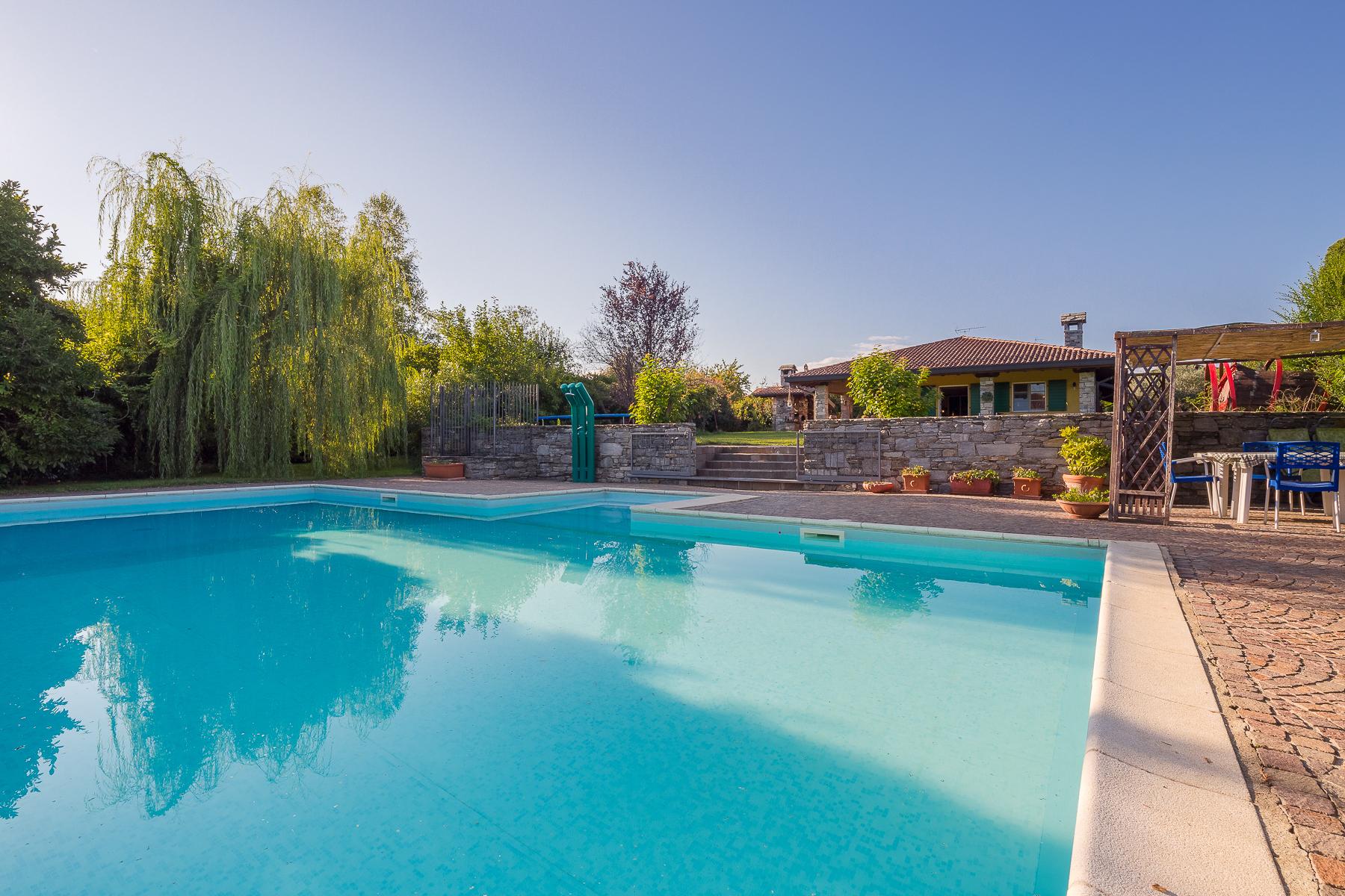 Villa in Vendita a Veruno: 5 locali, 300 mq