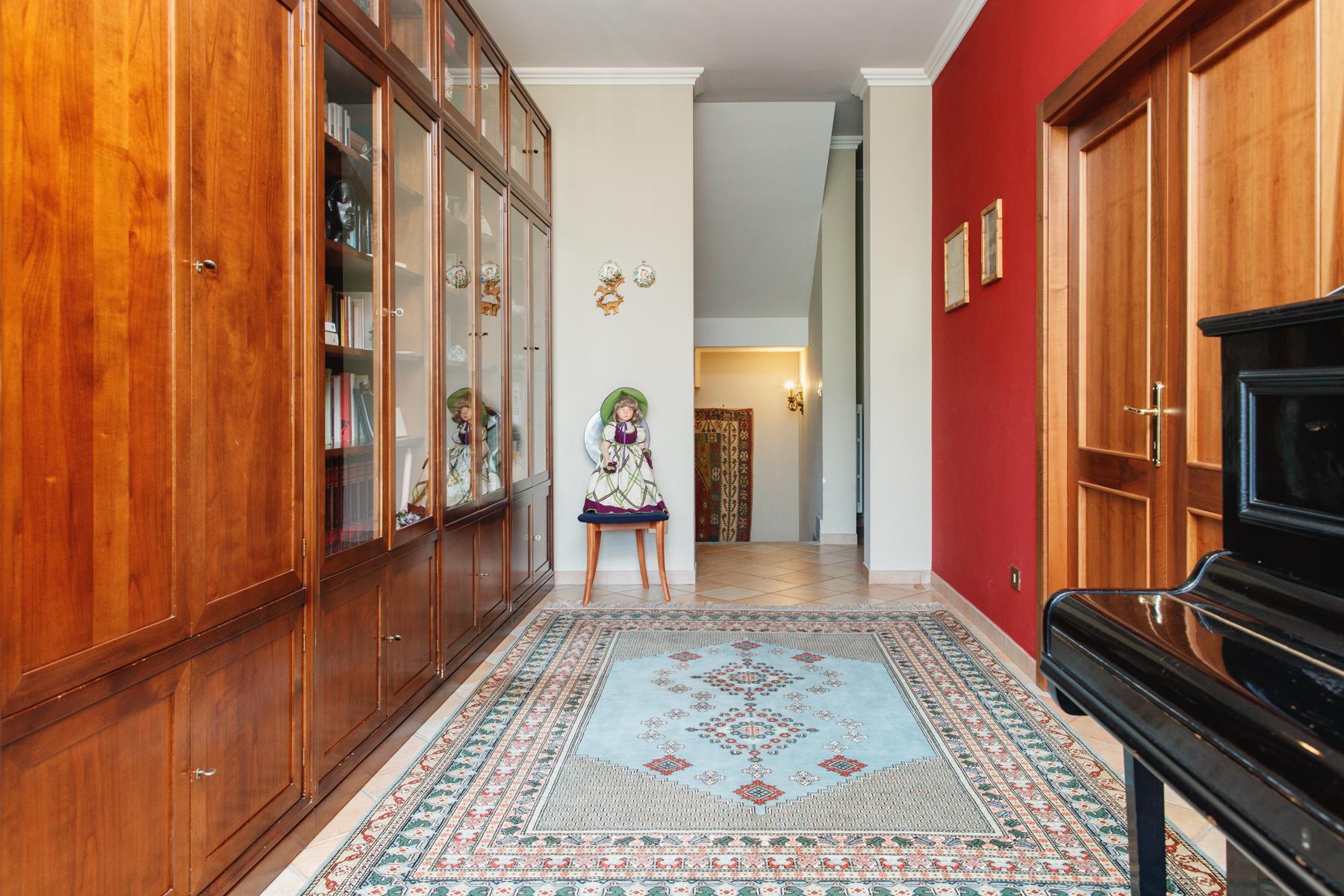 Casa indipendente in Vendita a Moncalieri: 5 locali, 370 mq - Foto 9