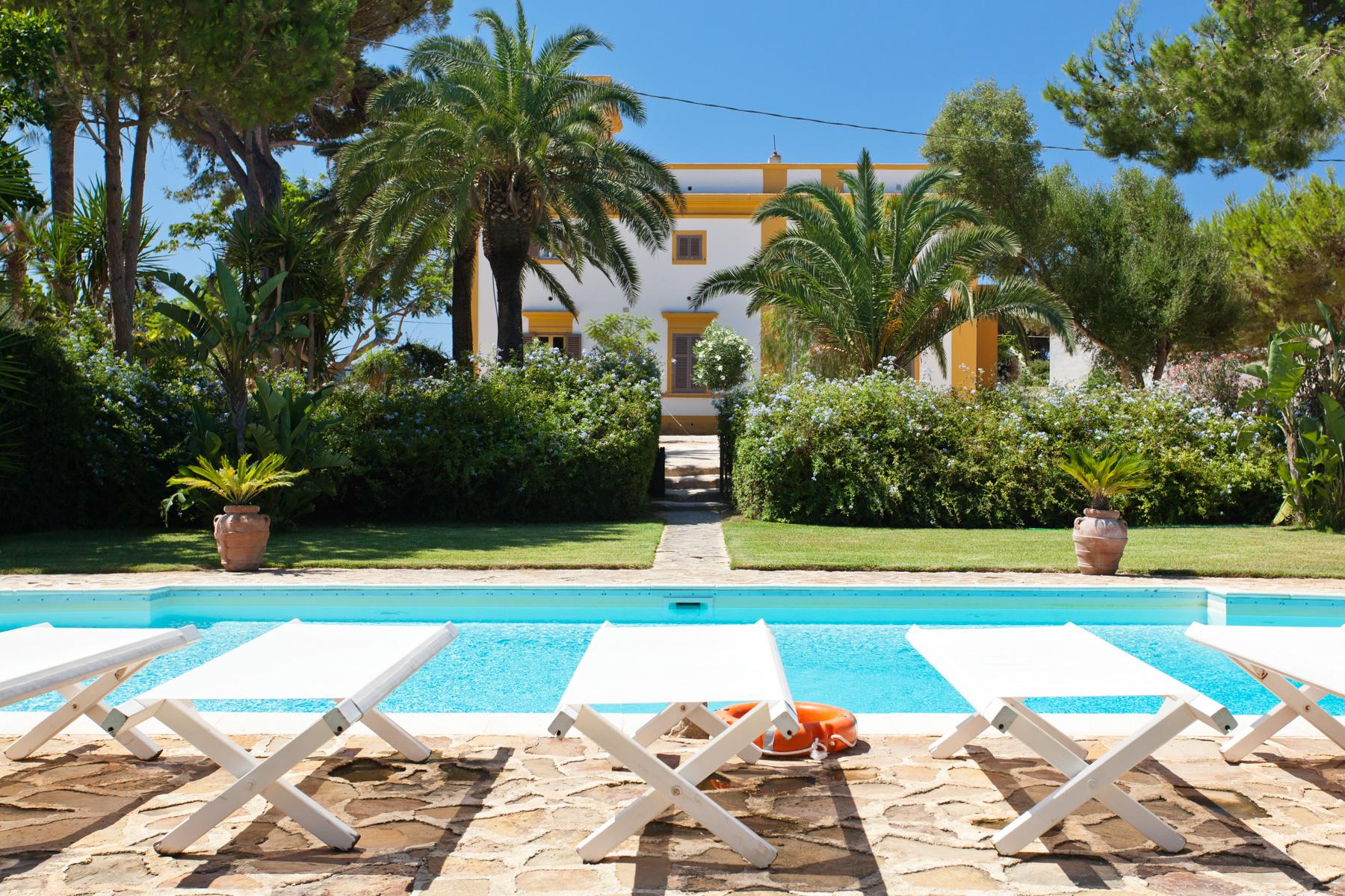Villa in Vendita a Marsala: 5 locali, 889 mq