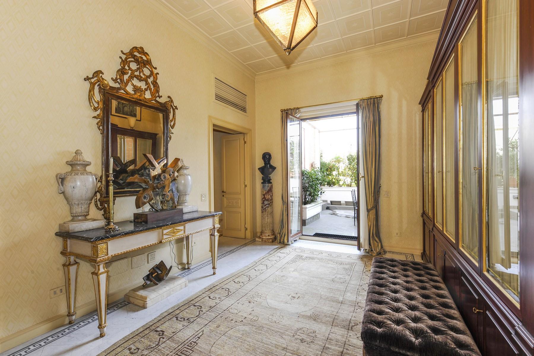 Appartamento in Vendita a Roma: 5 locali, 275 mq - Foto 3