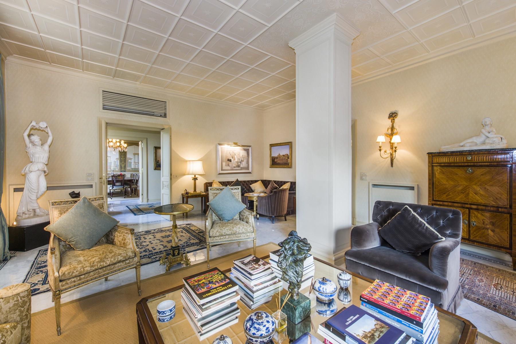 Appartamento in Vendita a Roma: 5 locali, 275 mq - Foto 2