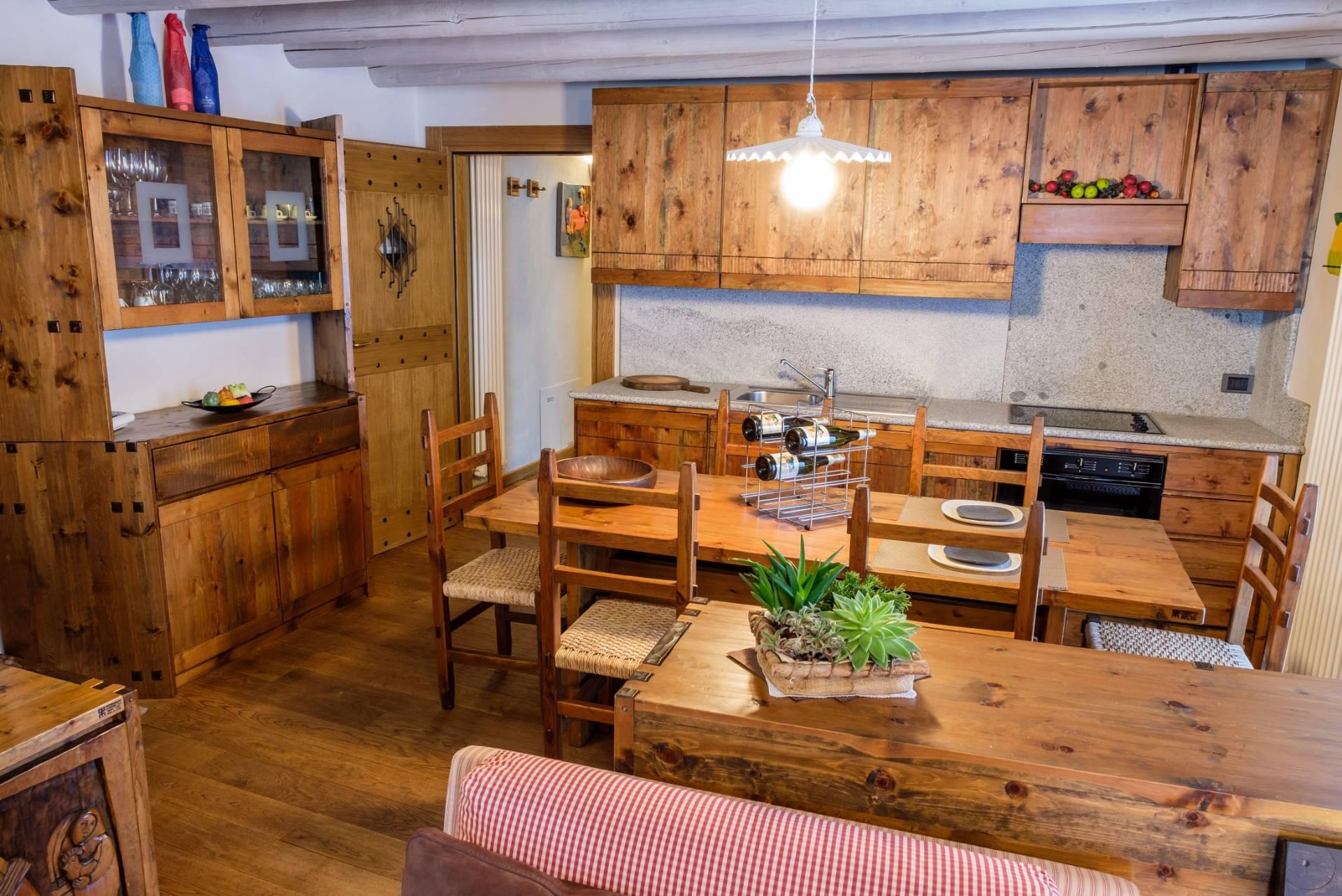 Appartamento in Vendita a Ponte Di Legno: 5 locali, 147 mq