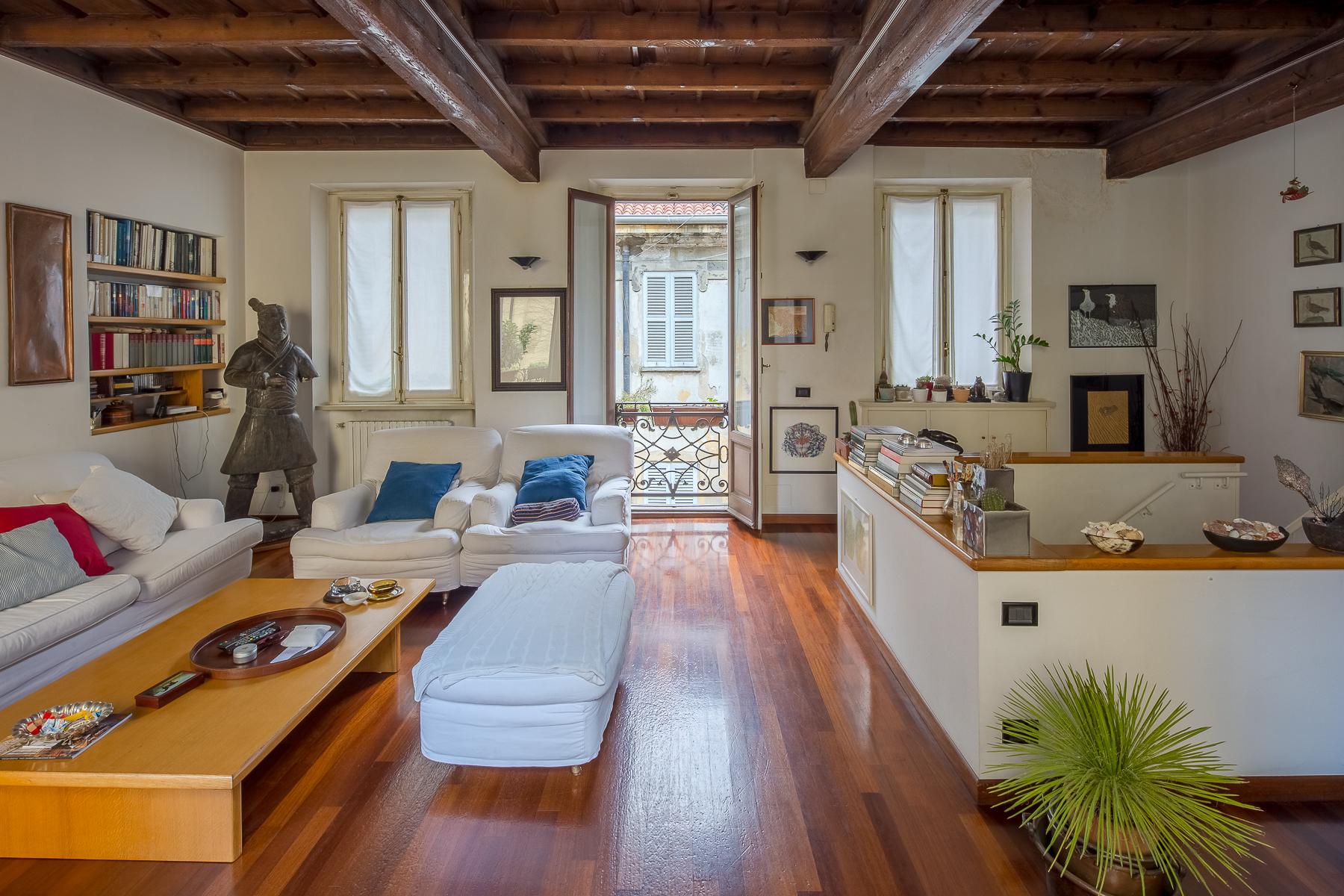 Casa indipendente in Vendita a Milano via zebedia