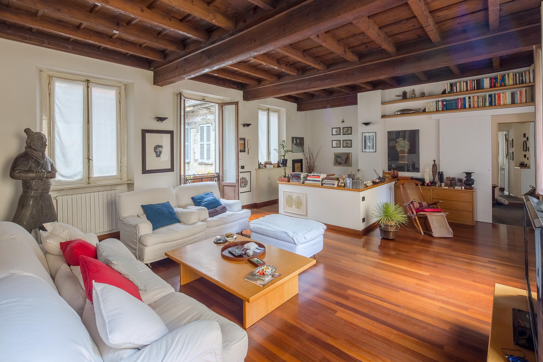 Appartamento in Vendita a Milano via zebedia