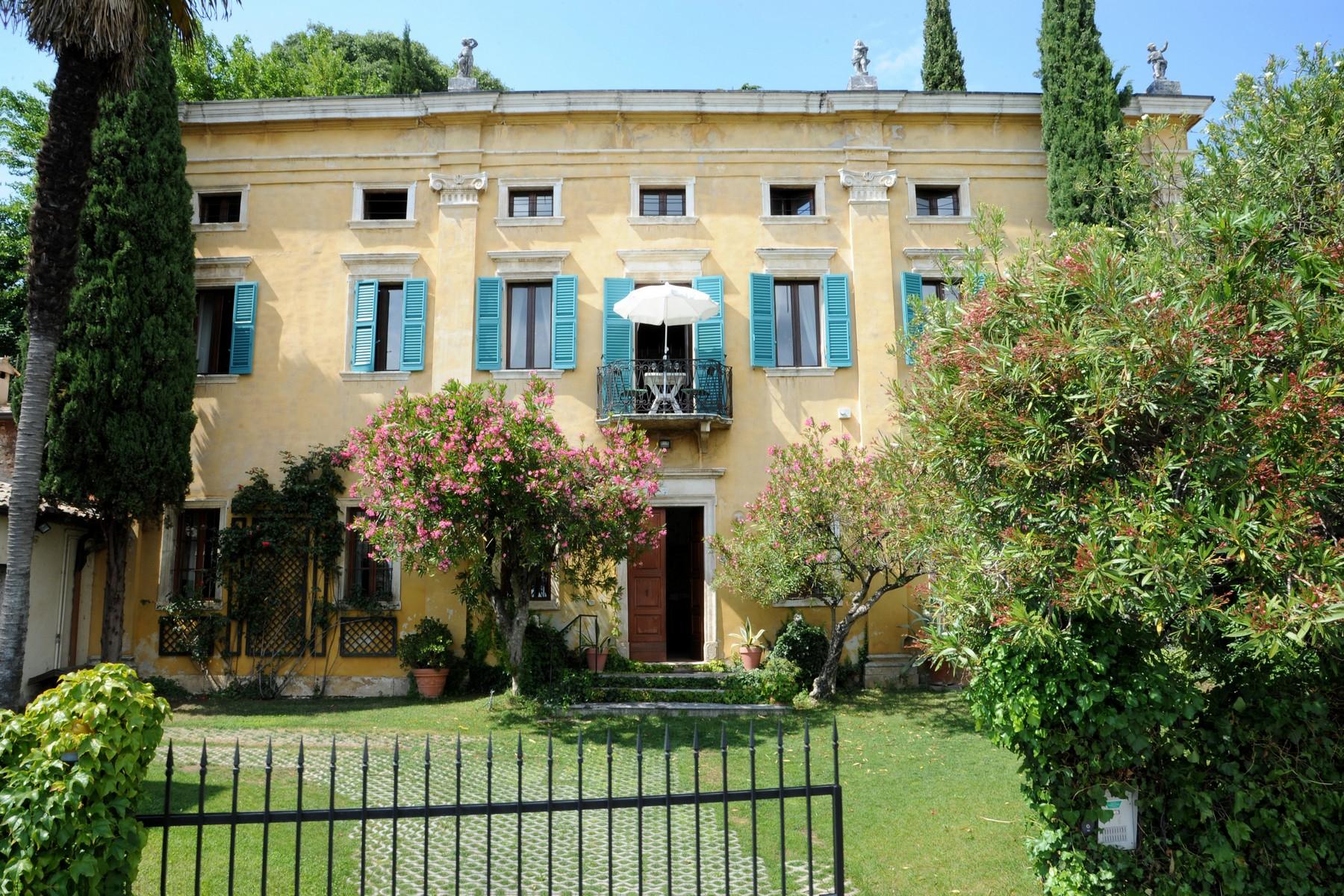 Palazzo in Vendita a Cavaion Veronese via belvedere