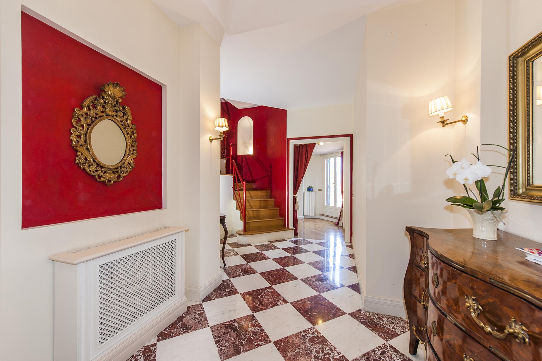 Attico di lusso in affitto a roma via giovanni paisiello for Studio affitto roma