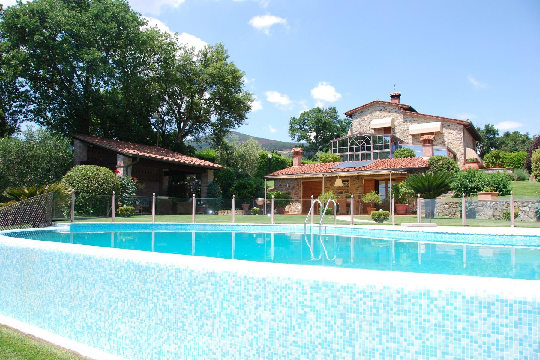Villa in Vendita a Buti via giacomo matteotti
