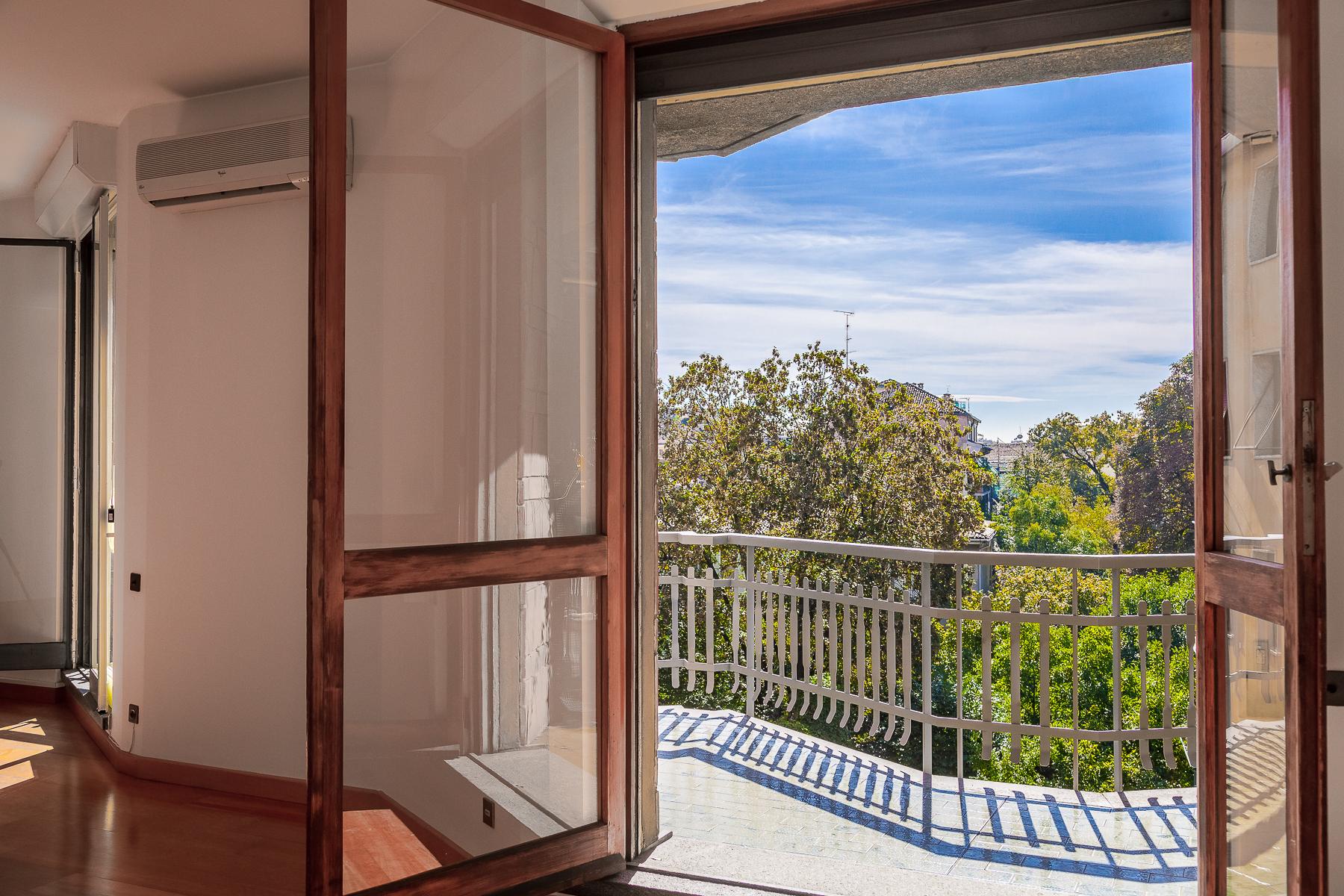 Appartamento in Vendita a Milano 01 Centro storico (Cerchia dei Navigli): 5 locali, 193 mq