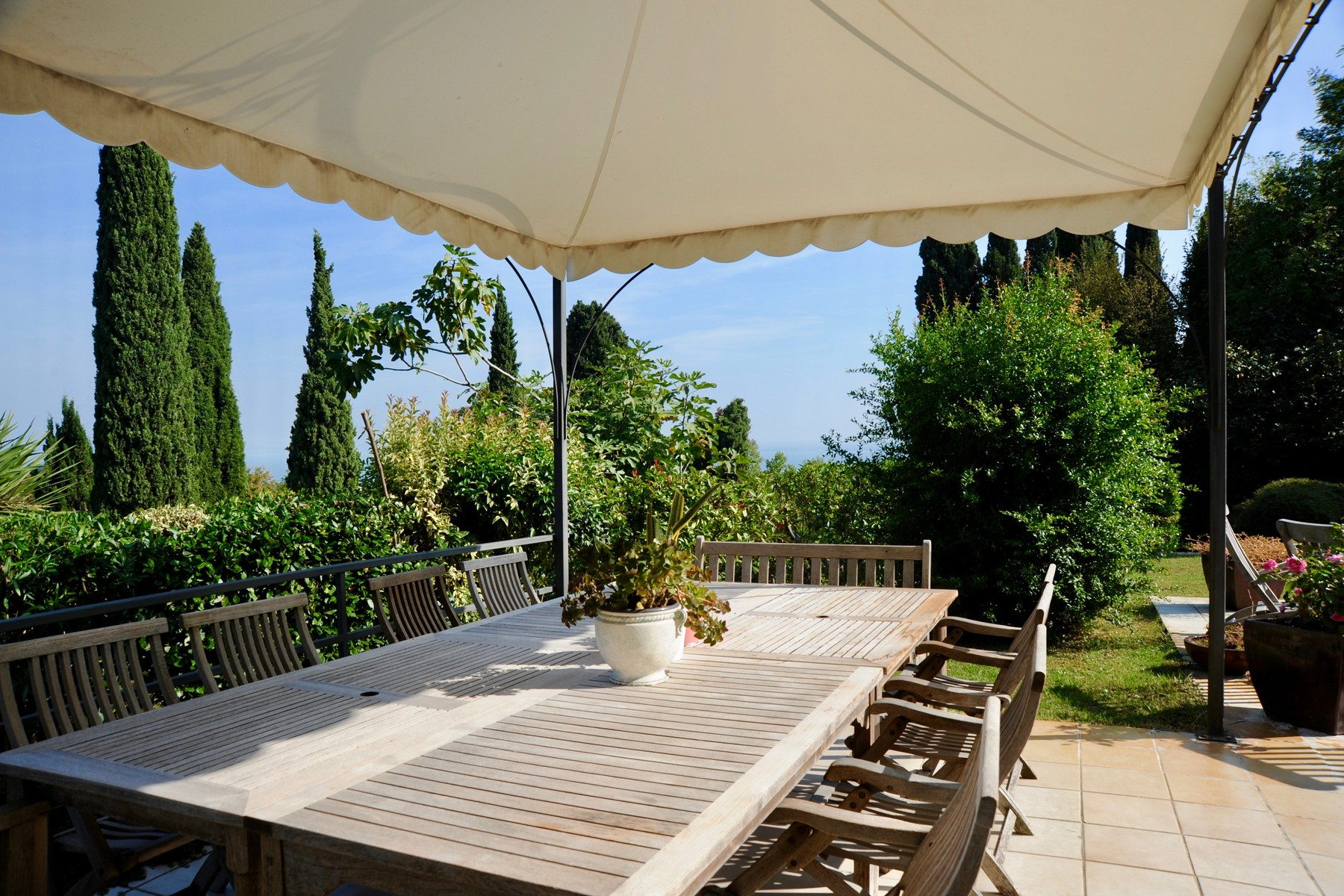 Villa in Vendita a Padenghe Sul Garda via fienile