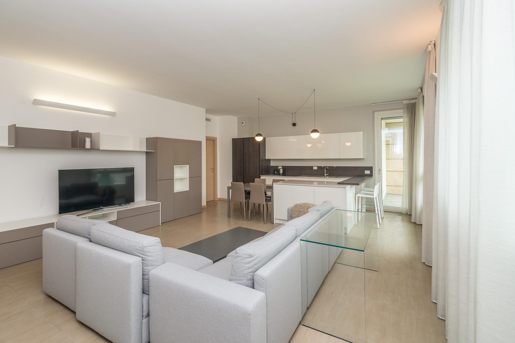 Appartamento in Vendita a Milano via giovanni papini