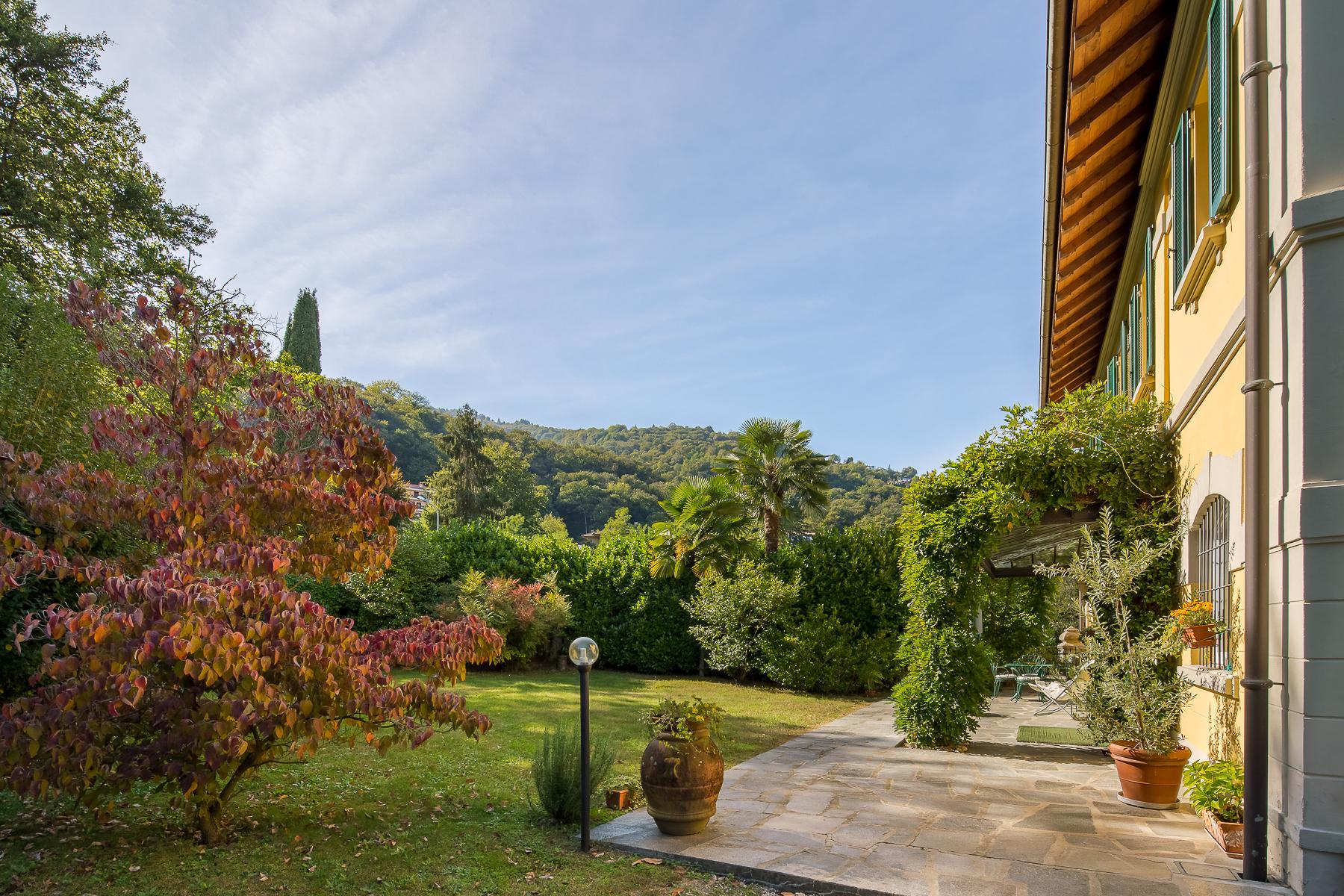 Villa in Vendita a Stresa: 5 locali, 240 mq
