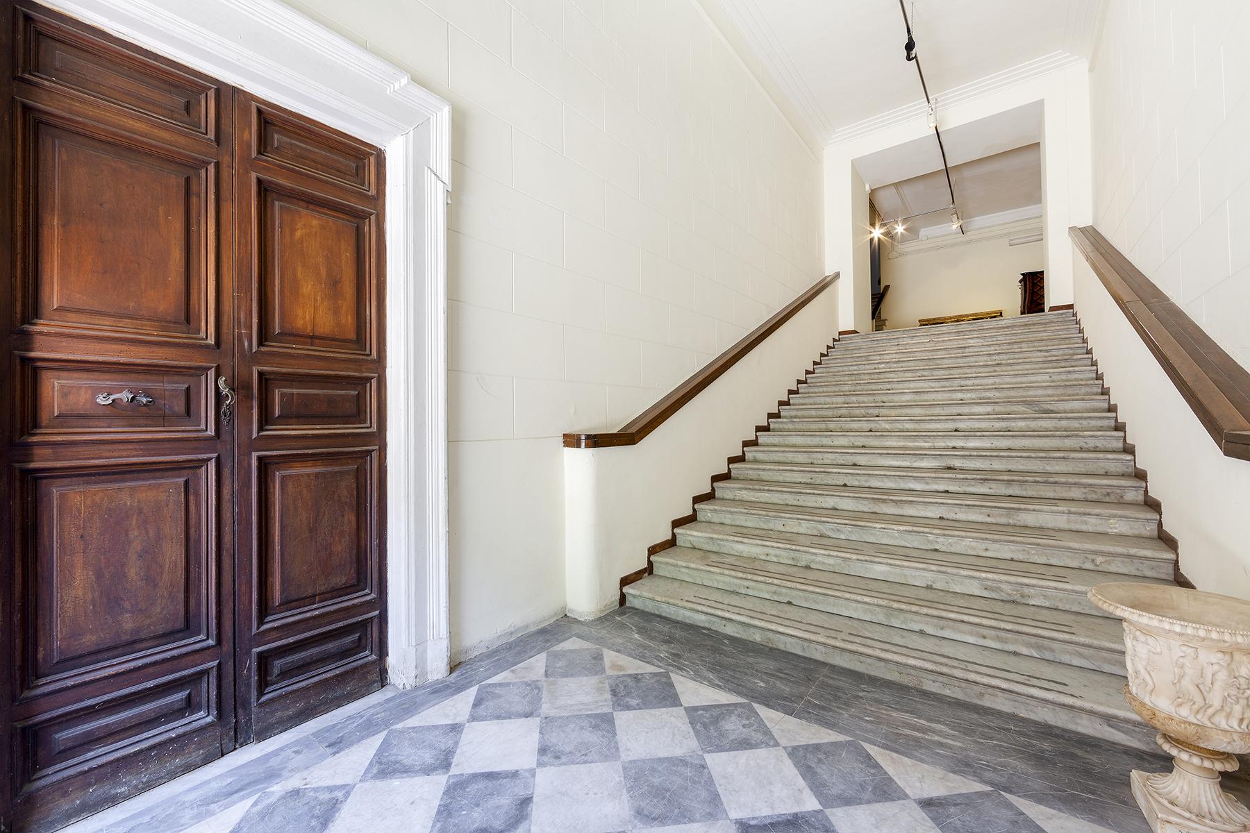 Ufficio studio di lusso in vendita a roma piazza di spagna for Vendita ufficio roma