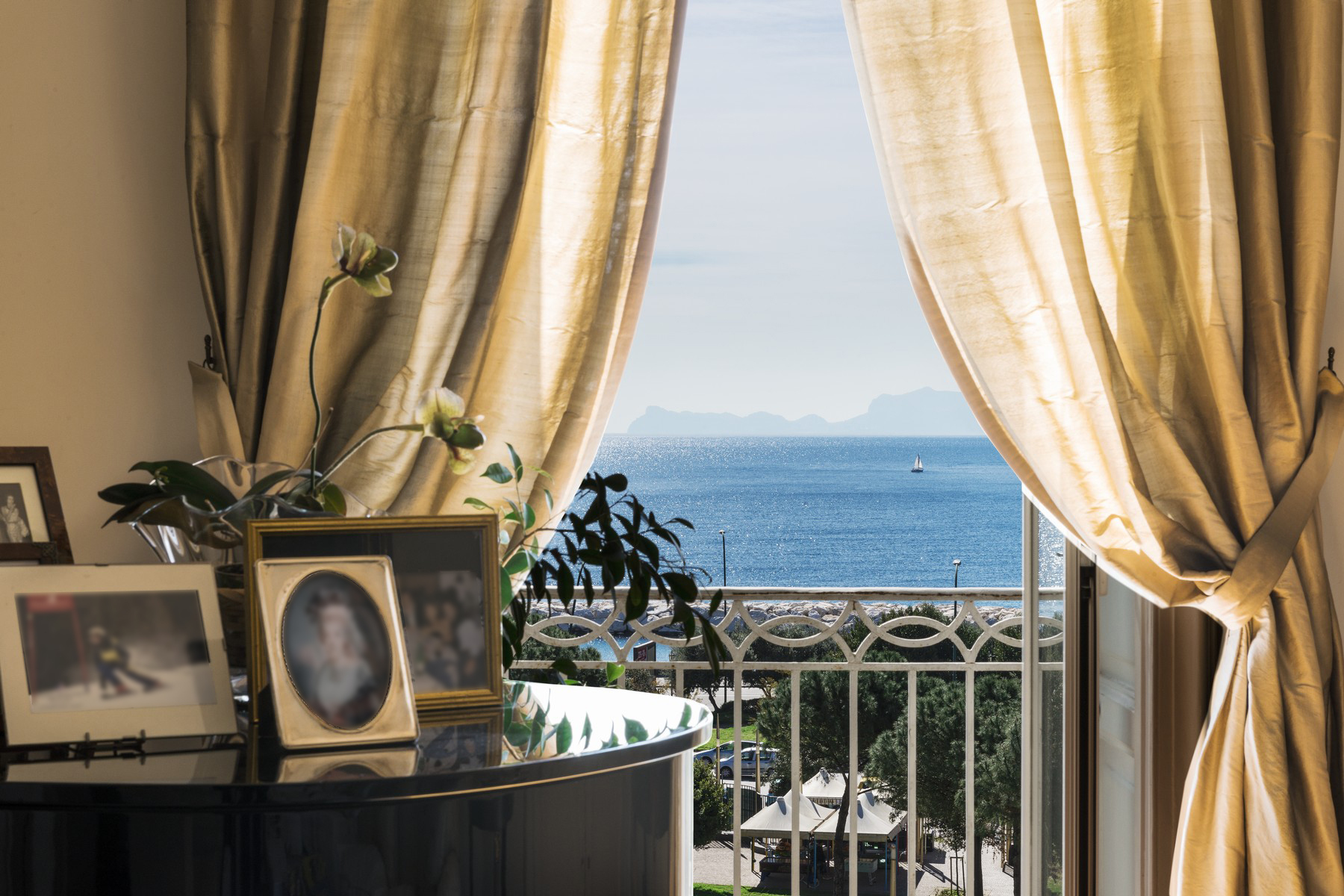 Appartamento in Vendita a Napoli: 5 locali, 450 mq - Foto 7