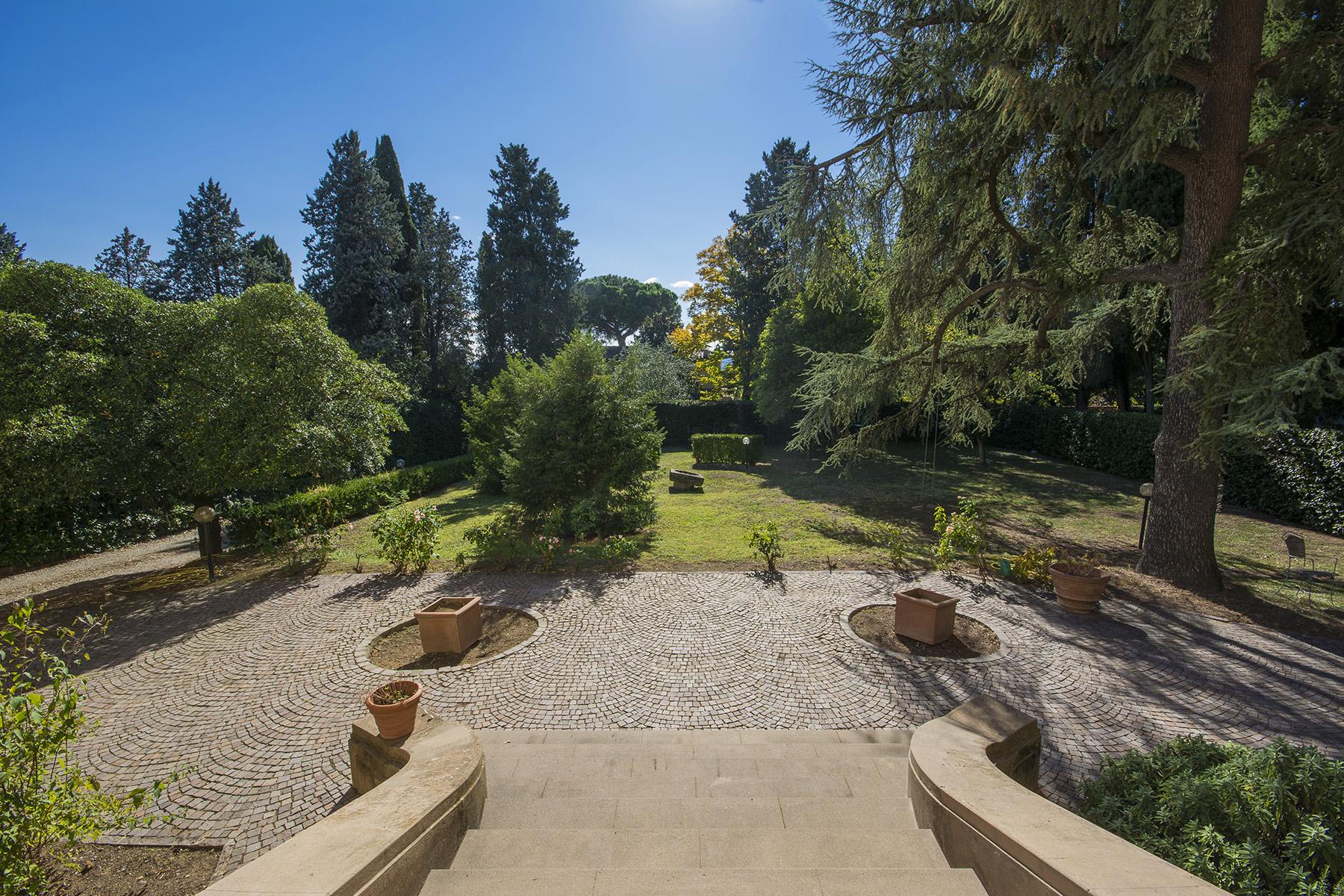 Villa in Vendita a Firenze: 5 locali, 500 mq