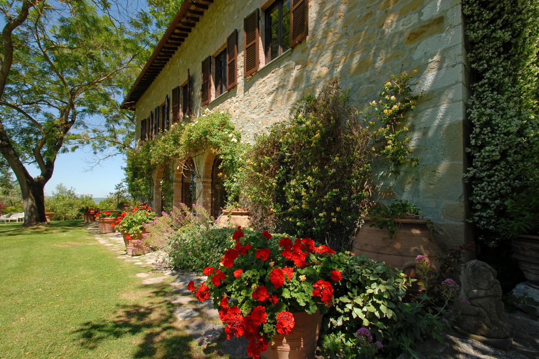 Villa in Vendita a Corciano: 5 locali, 650 mq - Foto 3