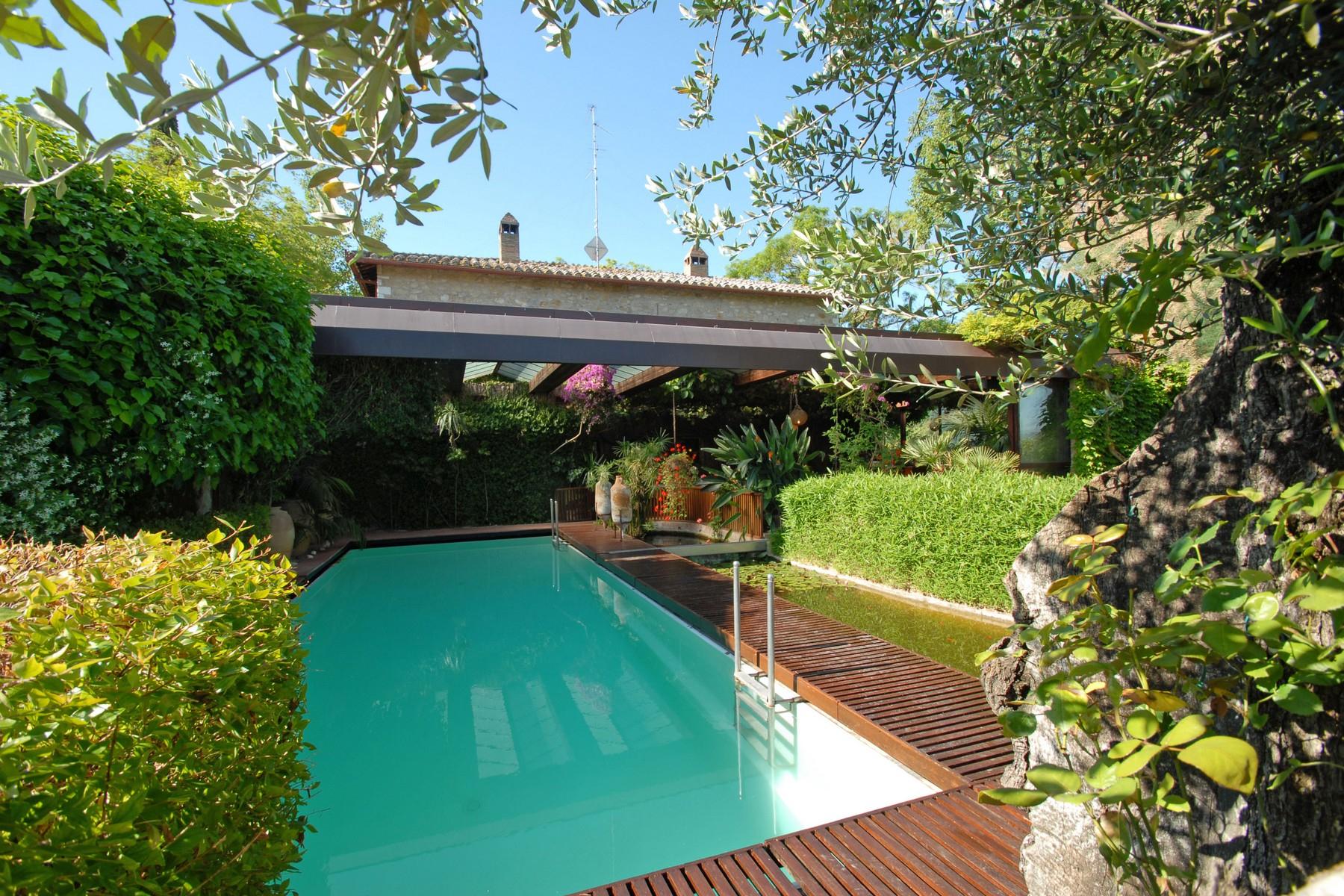 Villa in Vendita a Corciano: 5 locali, 650 mq - Foto 5