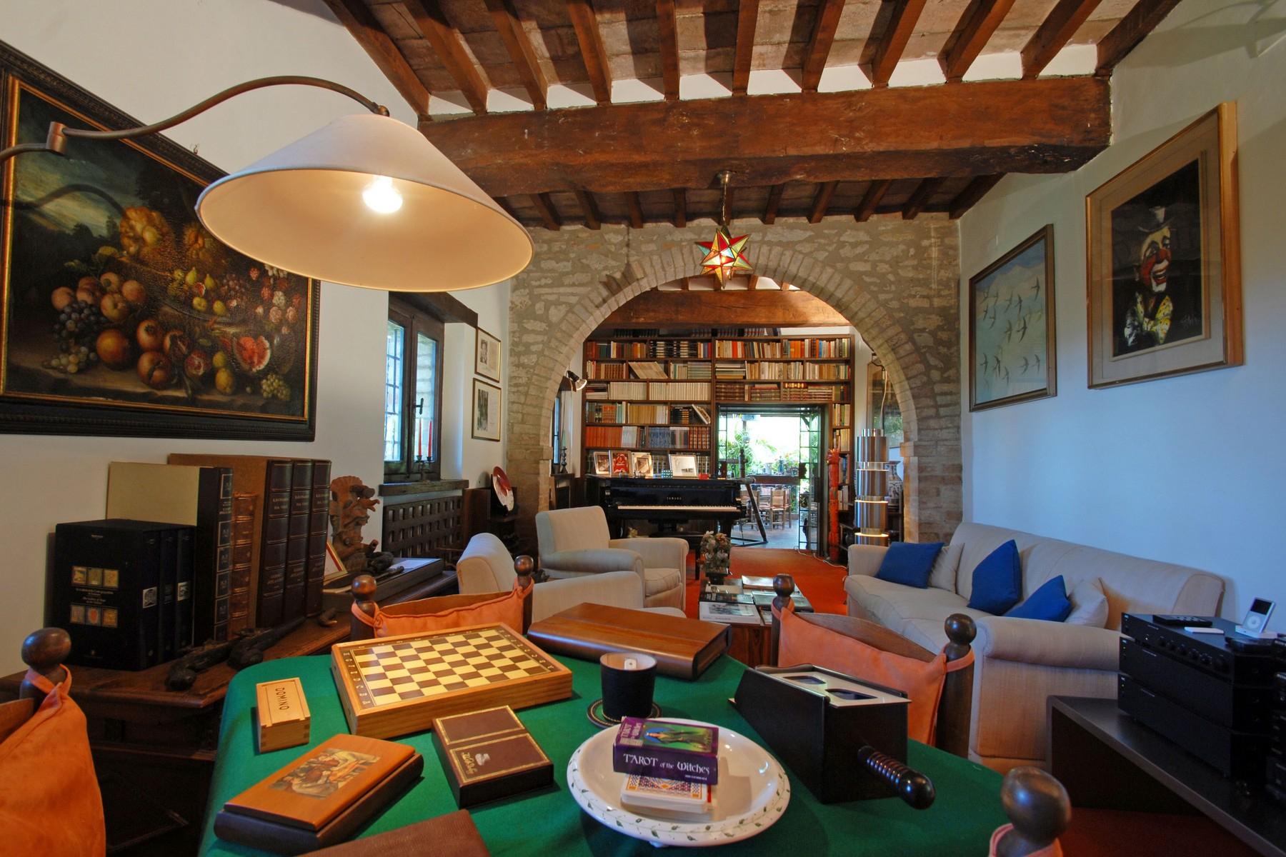 Villa in Vendita a Corciano: 5 locali, 650 mq - Foto 9