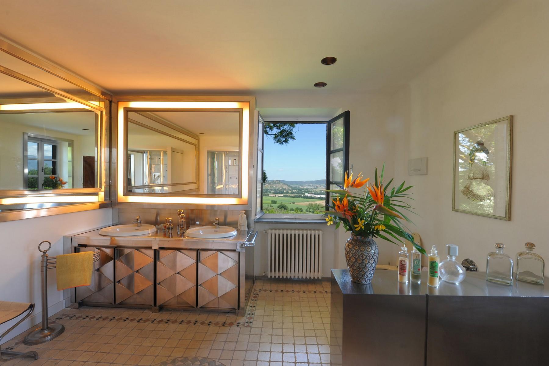 Villa in Vendita a Corciano: 5 locali, 650 mq - Foto 19