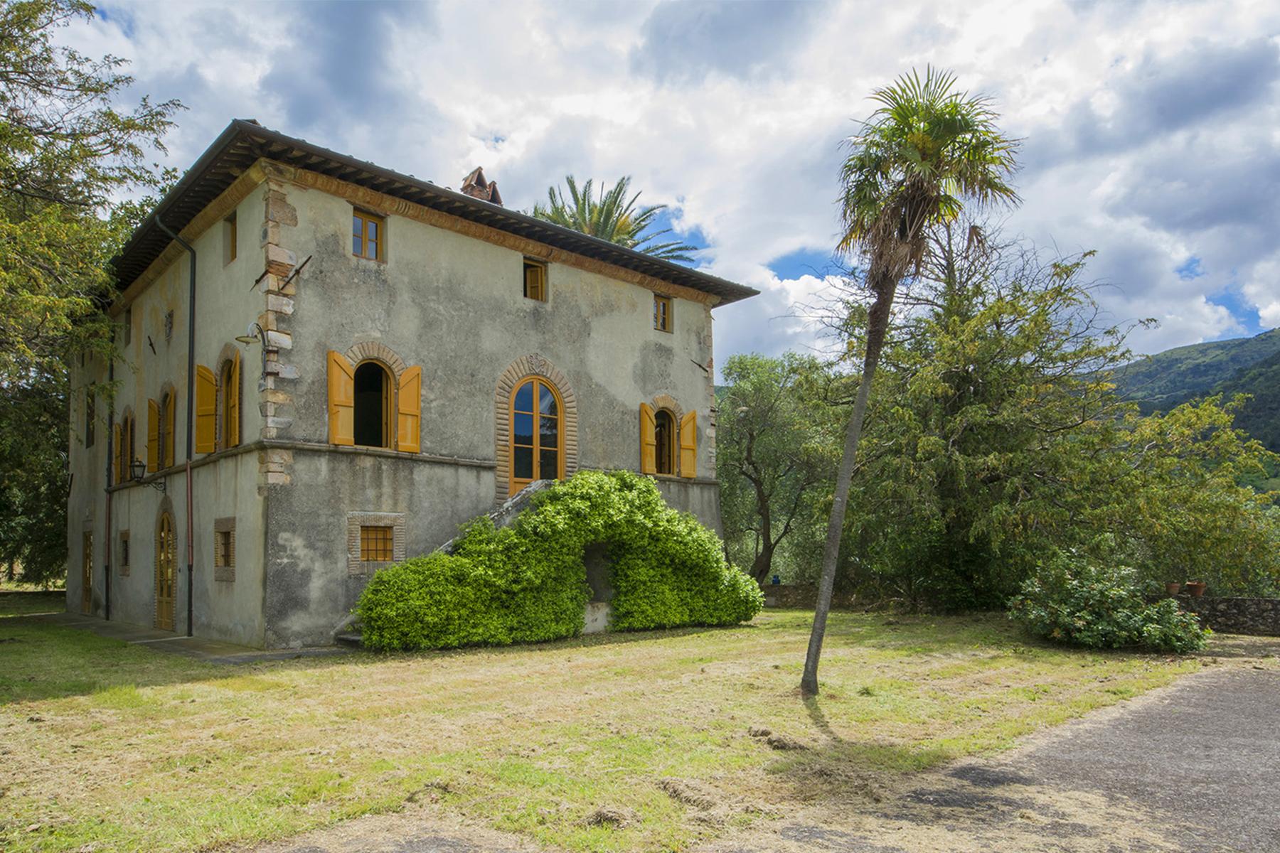 Villa in Vendita a Capannori via di santallago