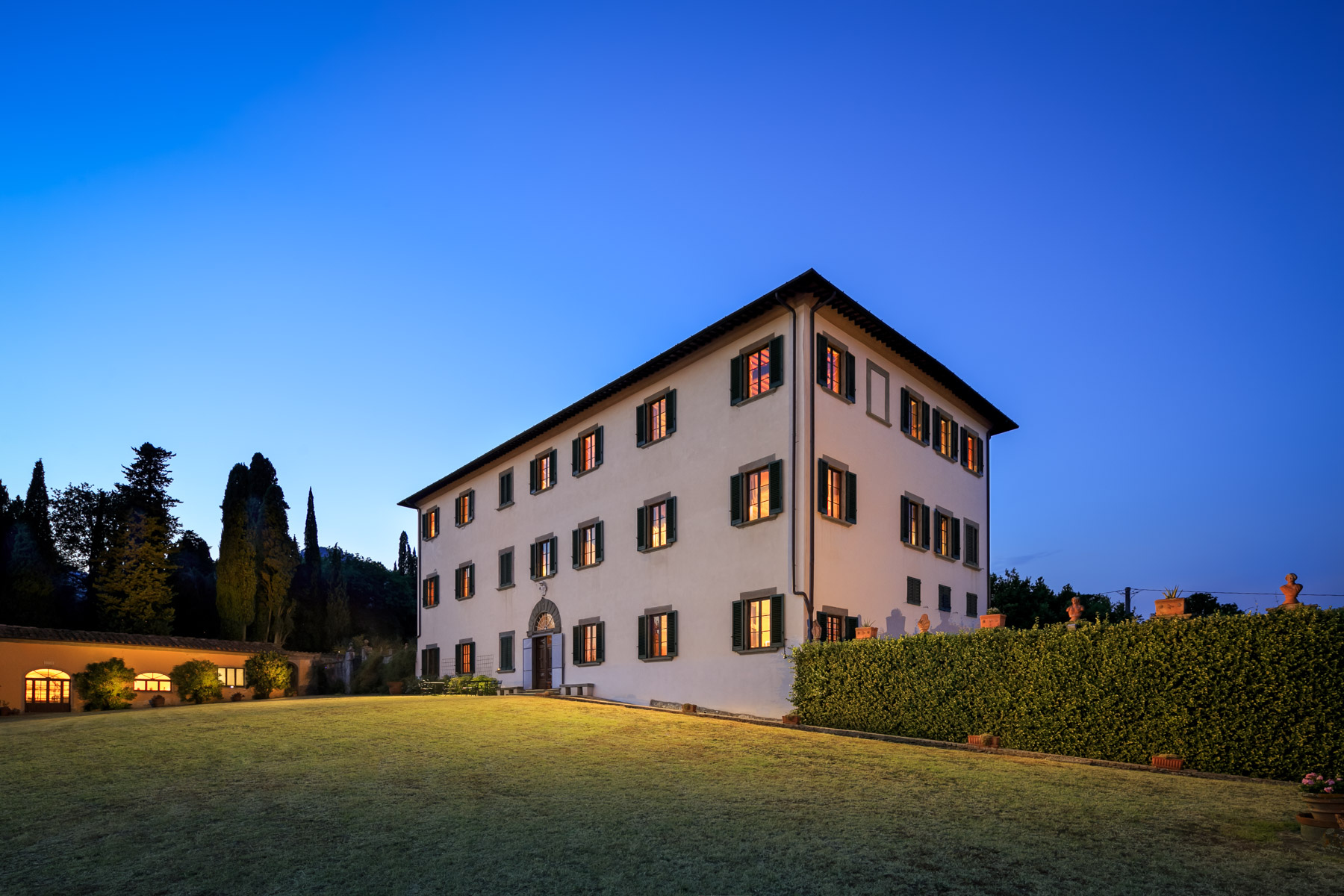 Villa in Vendita a Pescia: 5 locali, 1900 mq