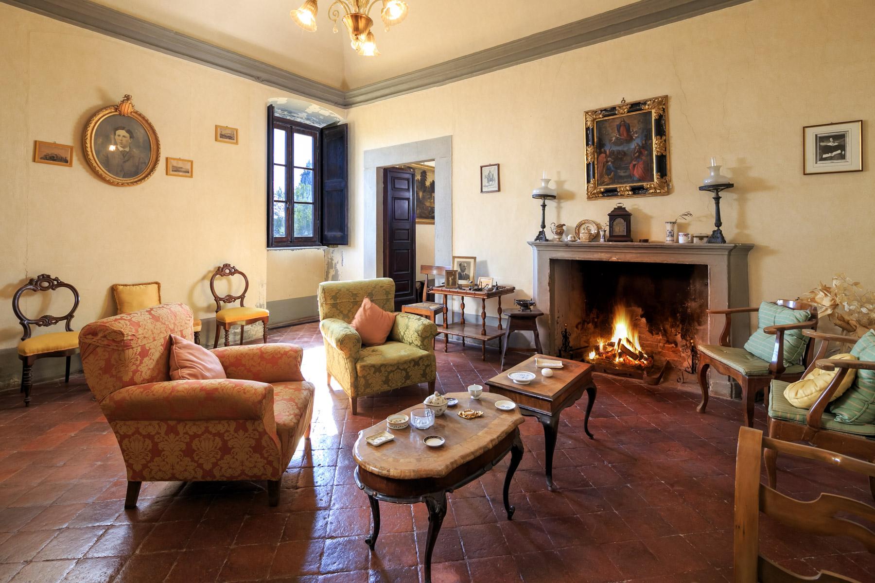 Villa in Vendita a Pescia: 5 locali, 1900 mq - Foto 4