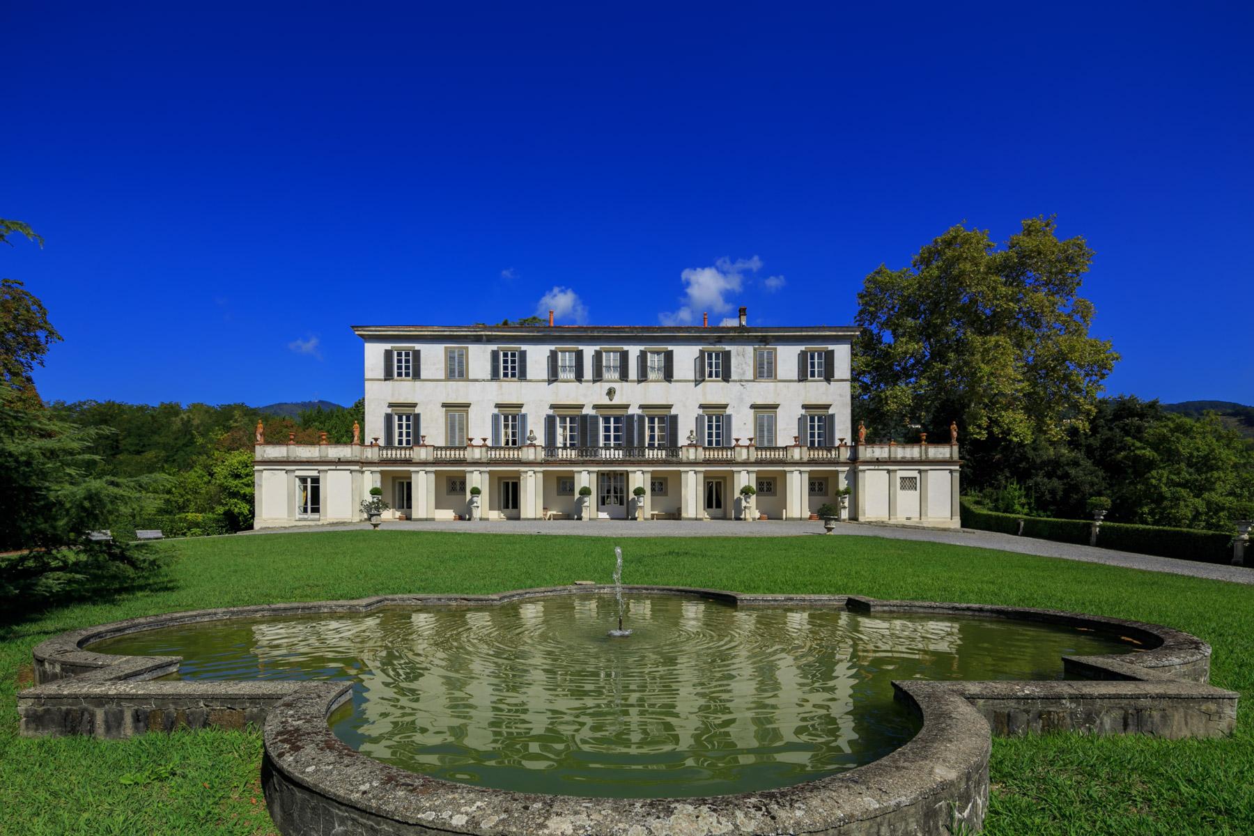 Villa in Vendita a Capannori: 5 locali, 4360 mq - Foto 2