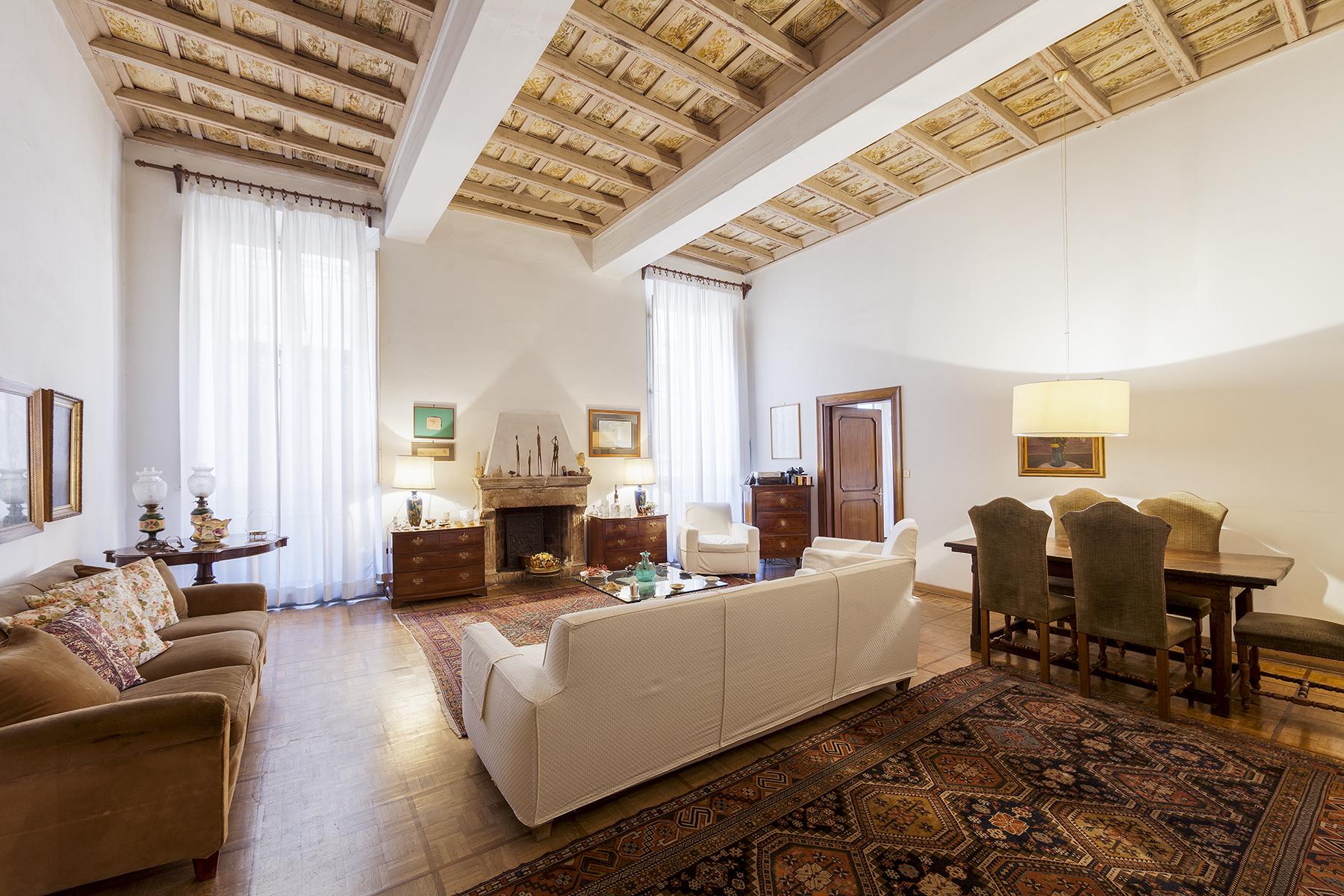 Appartamento in Vendita a Roma via dell'arco del monte