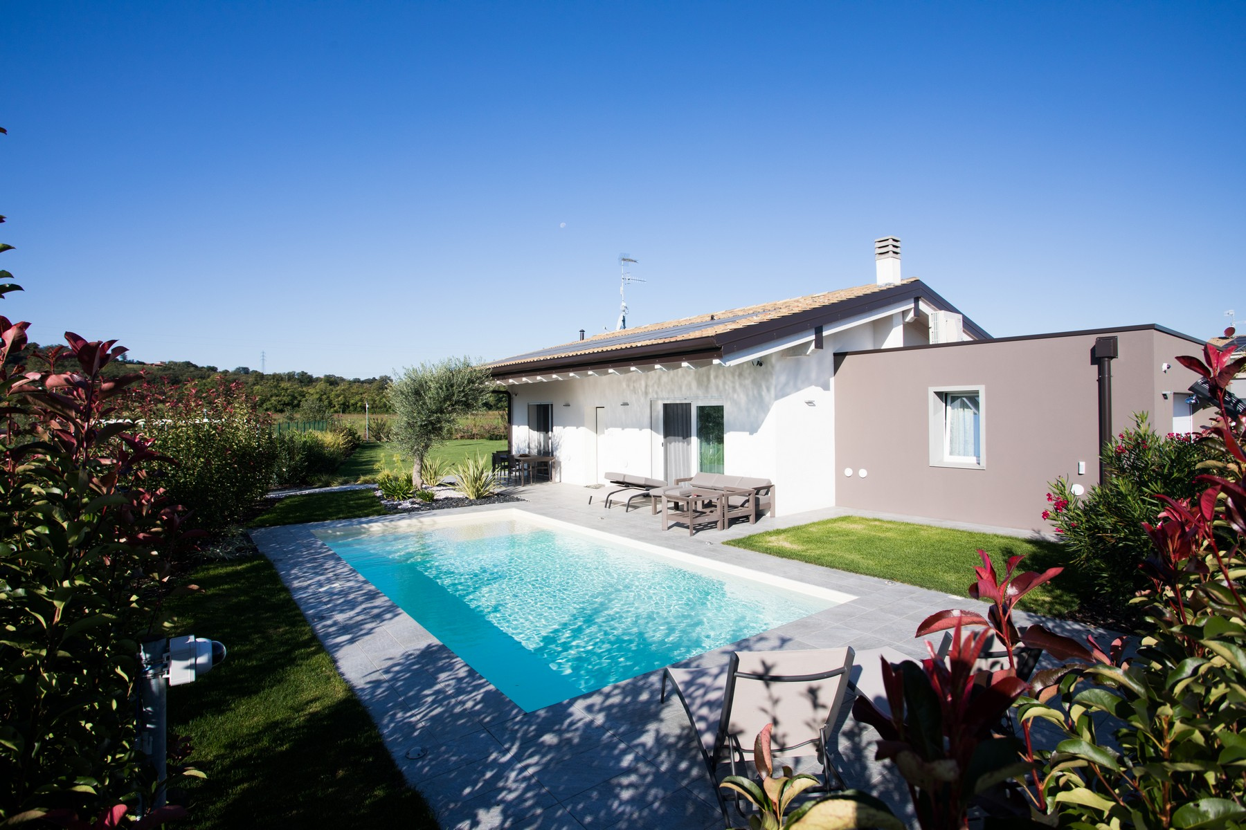 Villa in Vendita a Puegnago Sul Garda: 5 locali, 130 mq