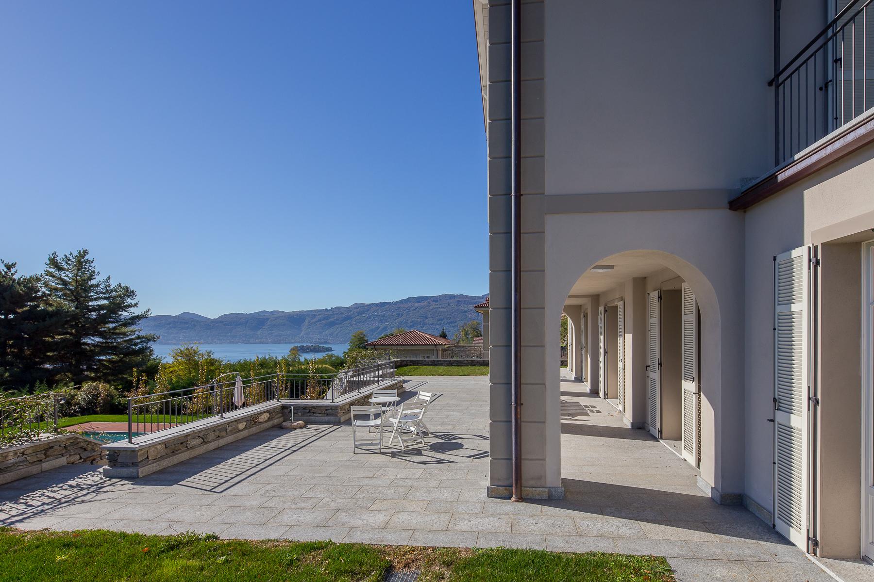 Villa in Vendita a Verbania: 5 locali, 419 mq - Foto 2