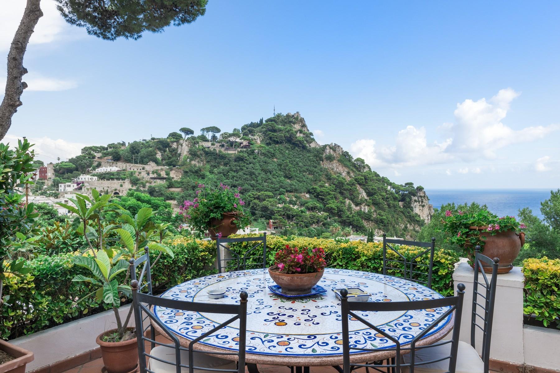 Villa in Vendita a Capri via torina