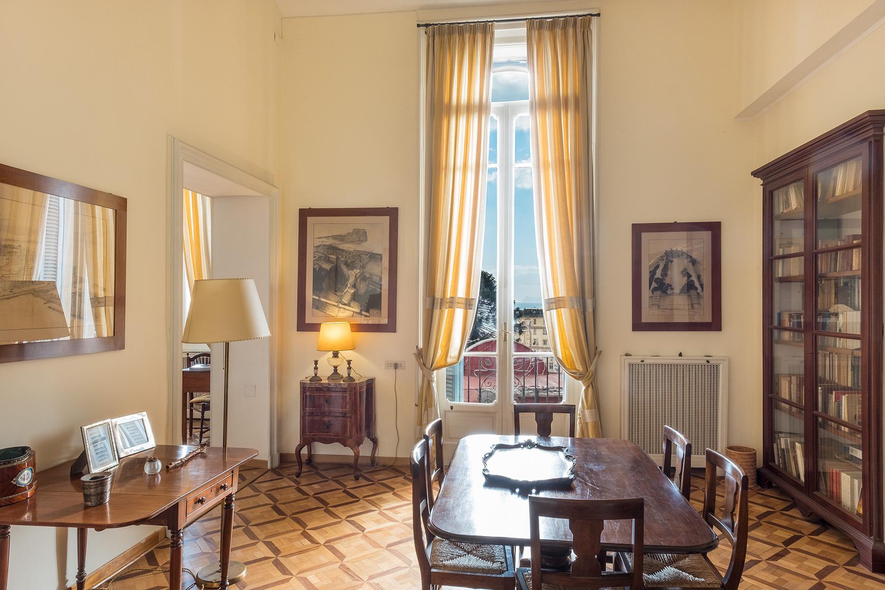 Appartamento in Vendita a Napoli: 5 locali, 400 mq - Foto 2