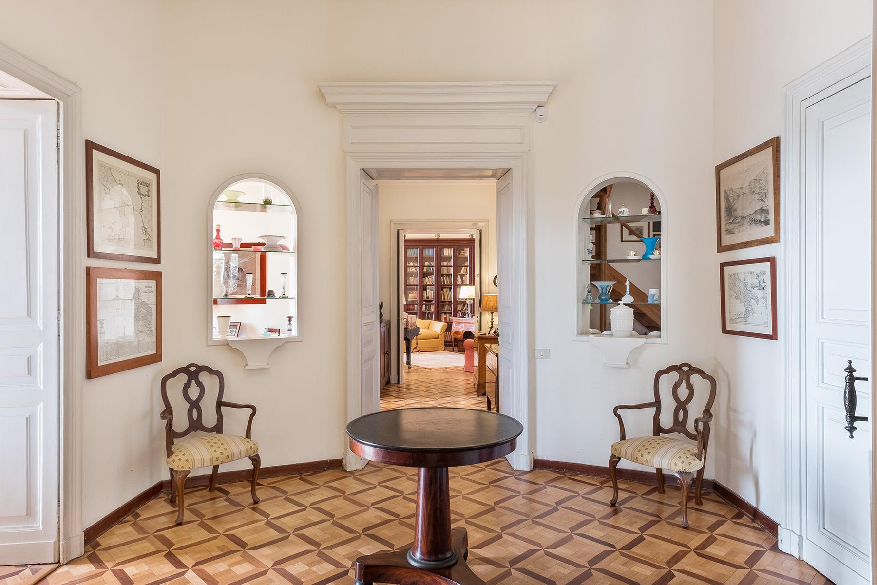Appartamento in Vendita a Napoli: 5 locali, 400 mq - Foto 12