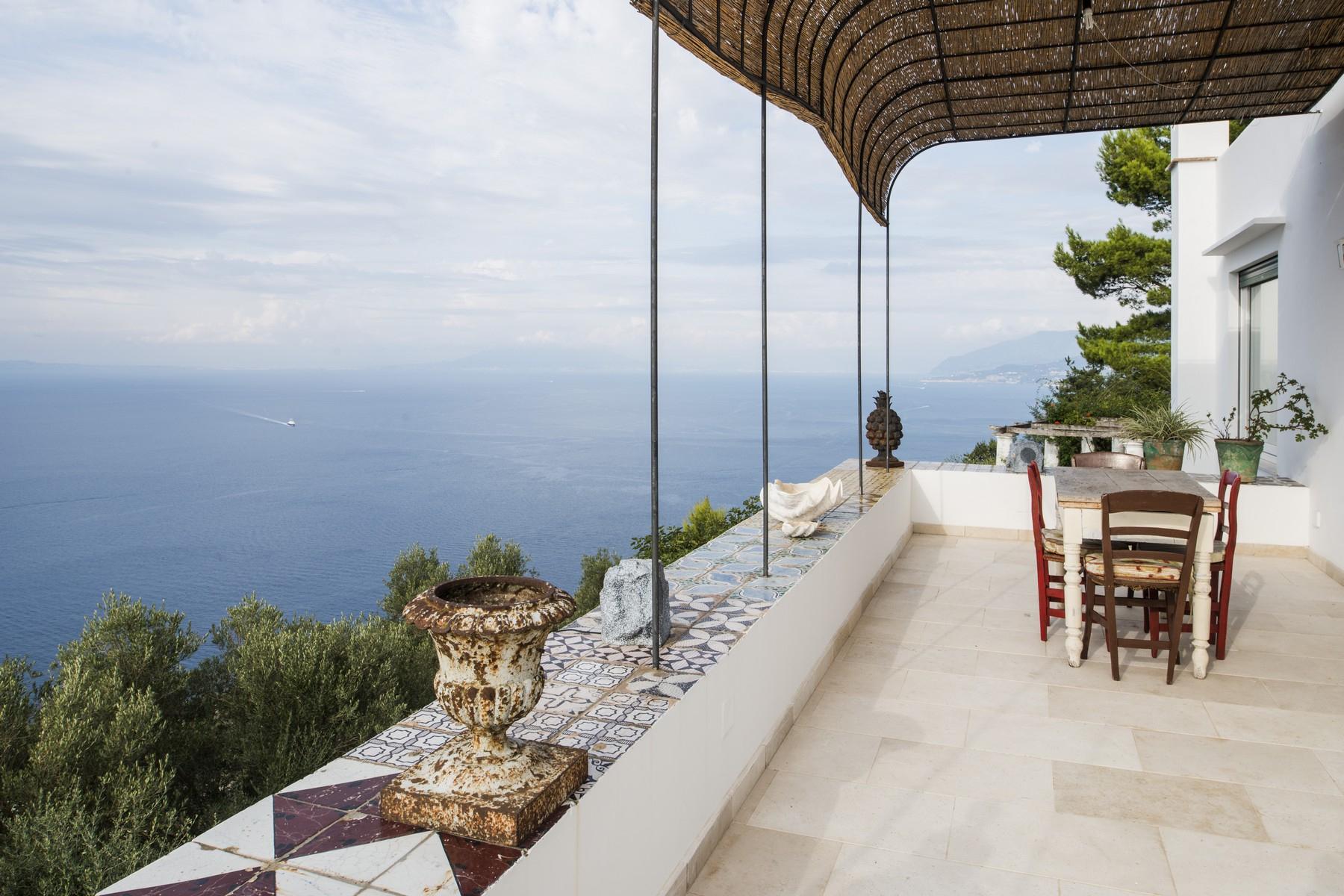 Villa in Vendita a Capri via lo funno
