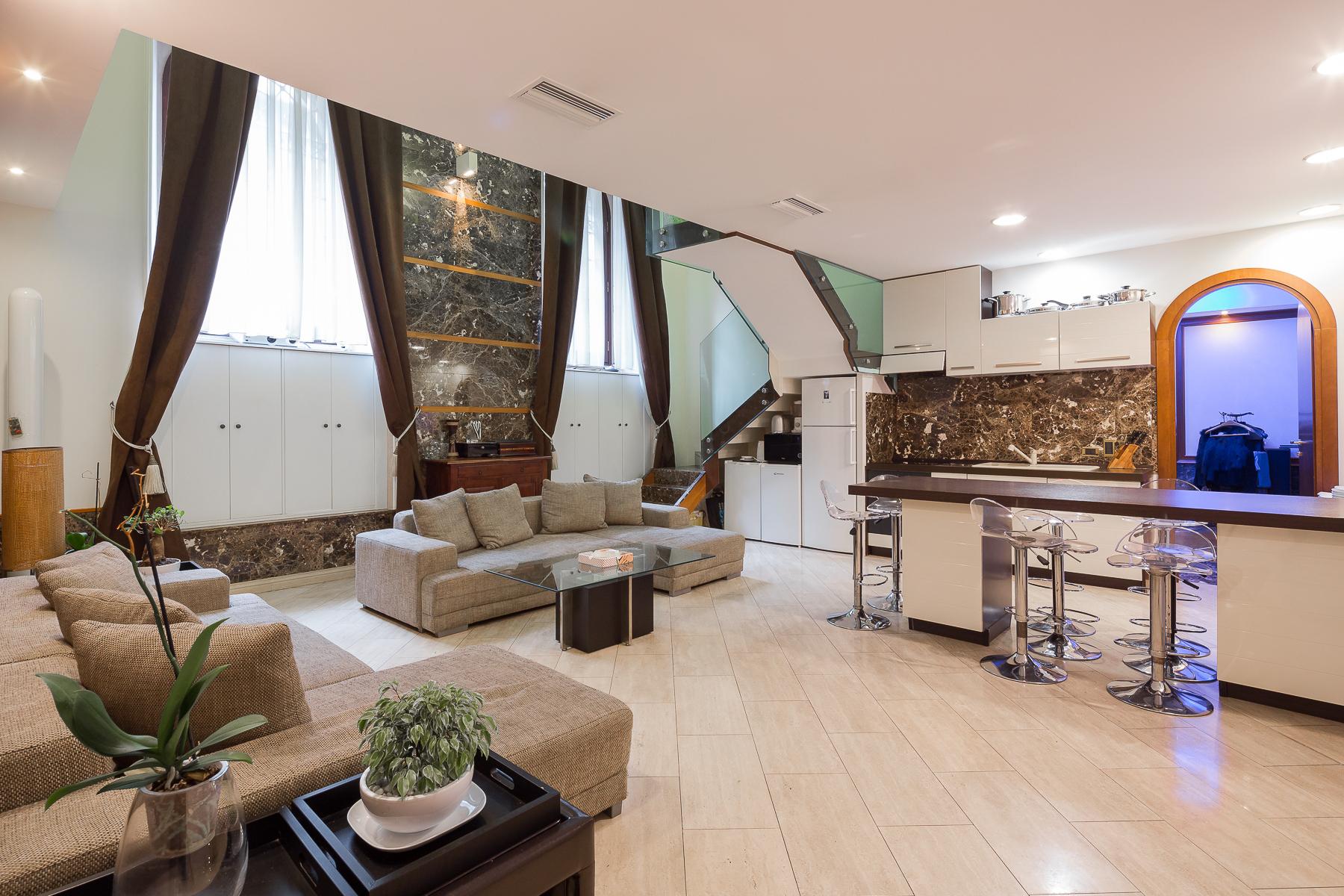 Appartamento in Affitto a Milano via chiaravalle