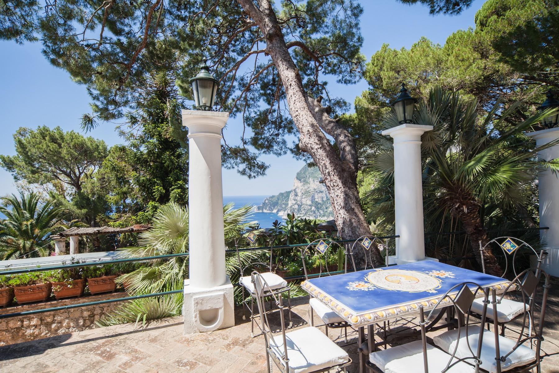 Villa in Vendita a Capri: 5 locali, 260 mq