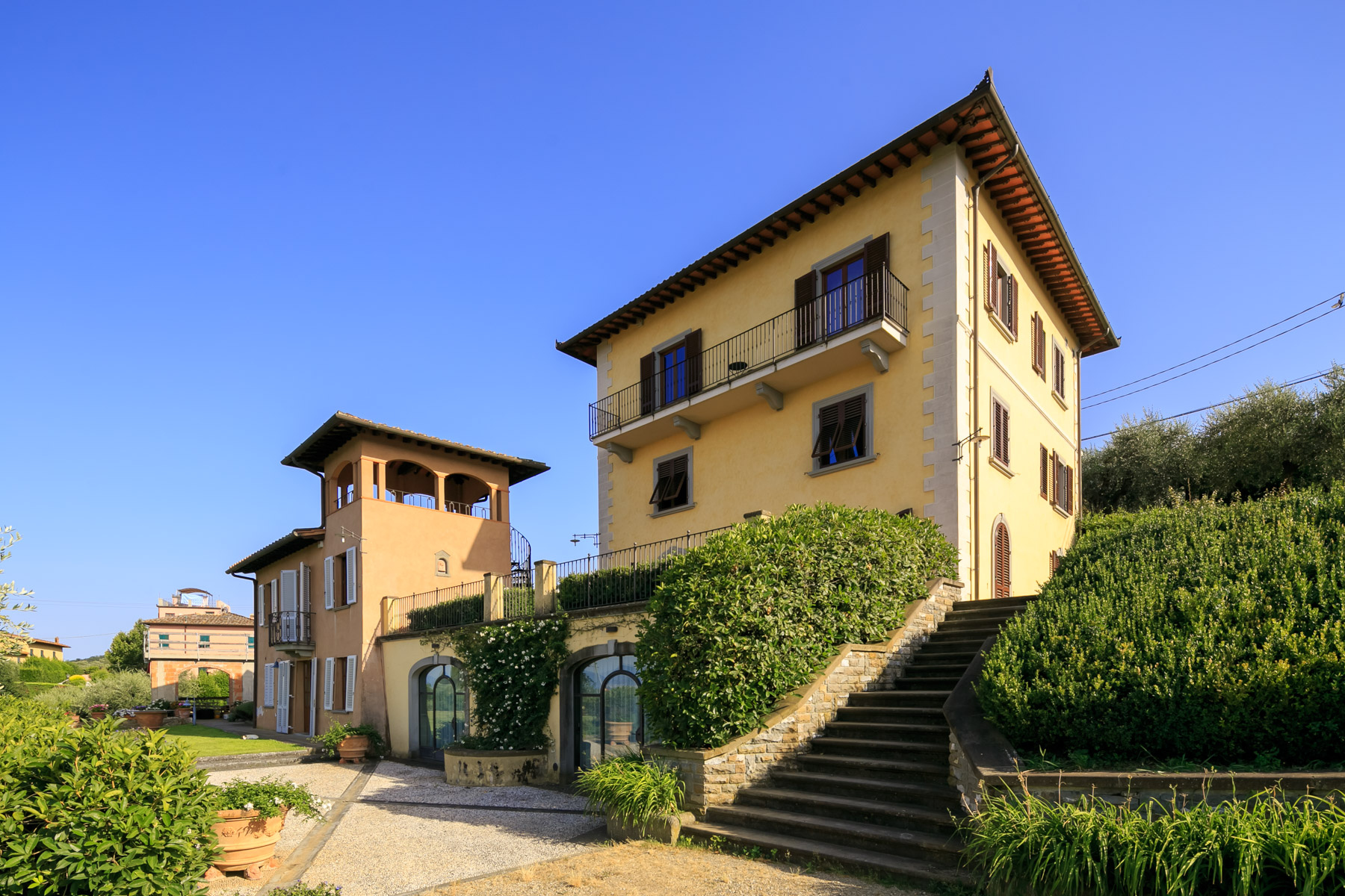 Villa in Vendita a Lastra A Signa via di calcinaia